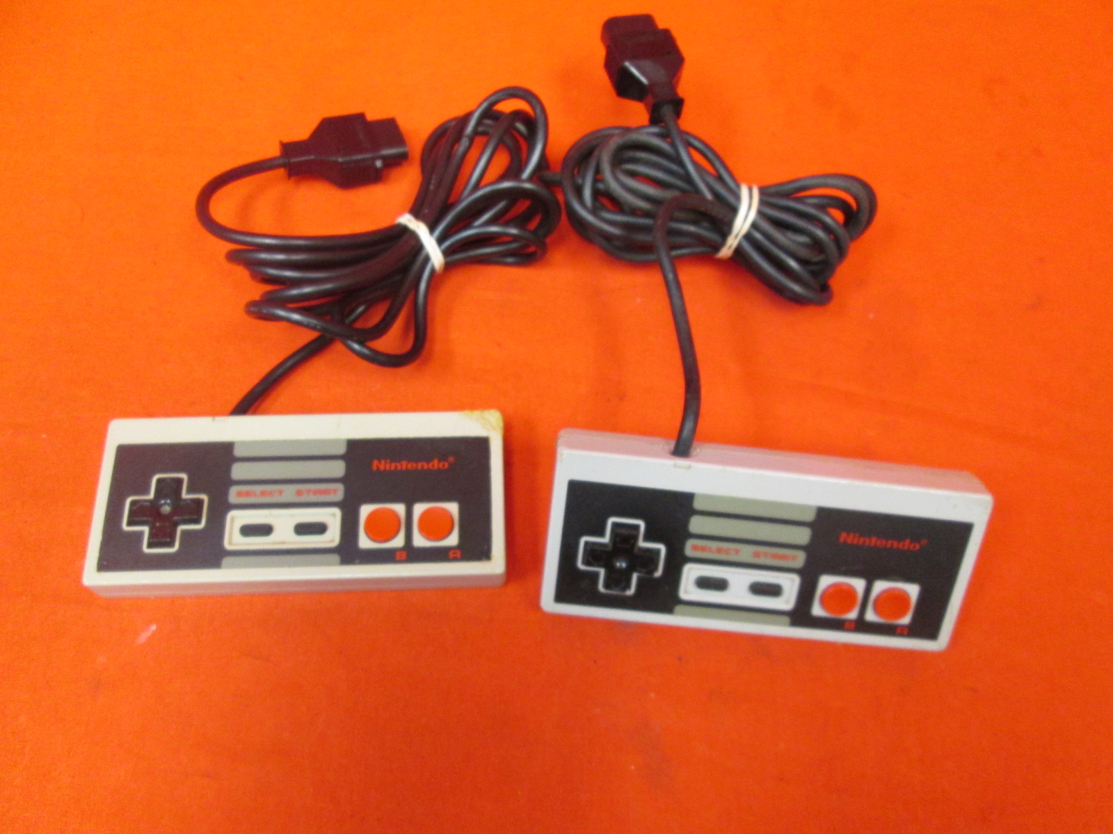 Lot Of 2 Nintendo OEM Wired Controllers Grey For Nintendo NES