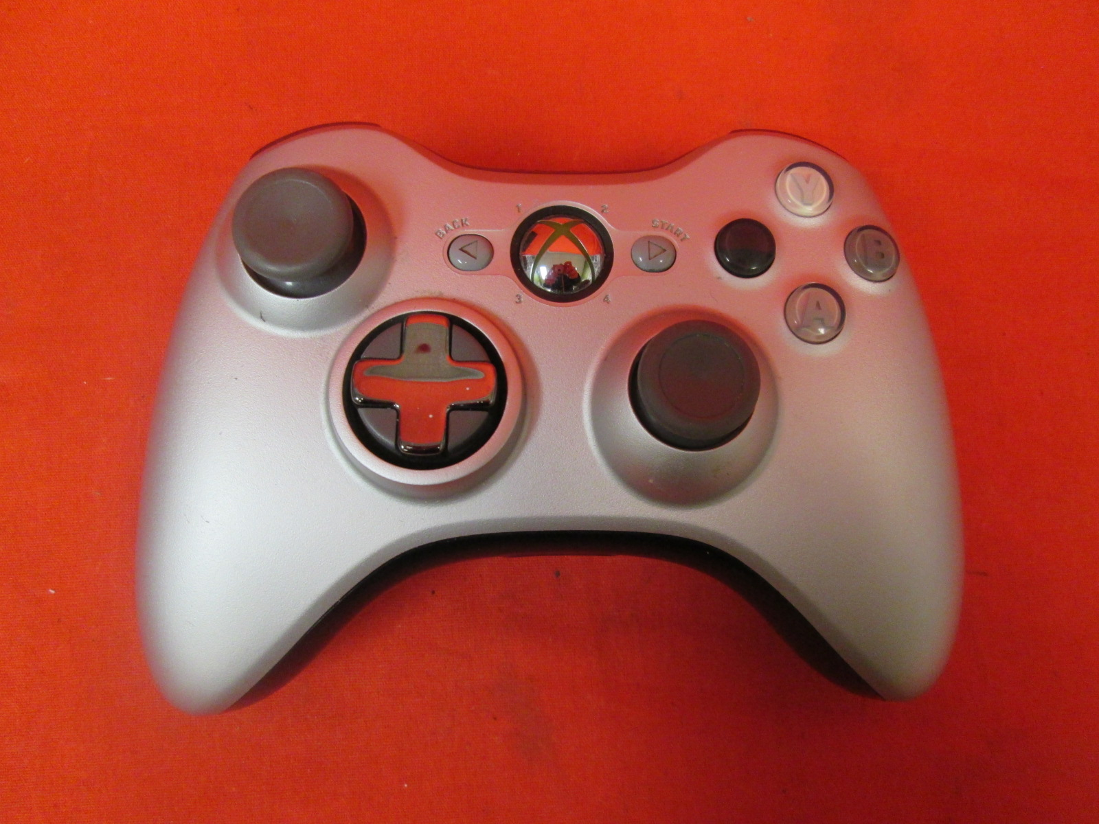 Image 0 of Microsoft Silver Controller For Xbox 360