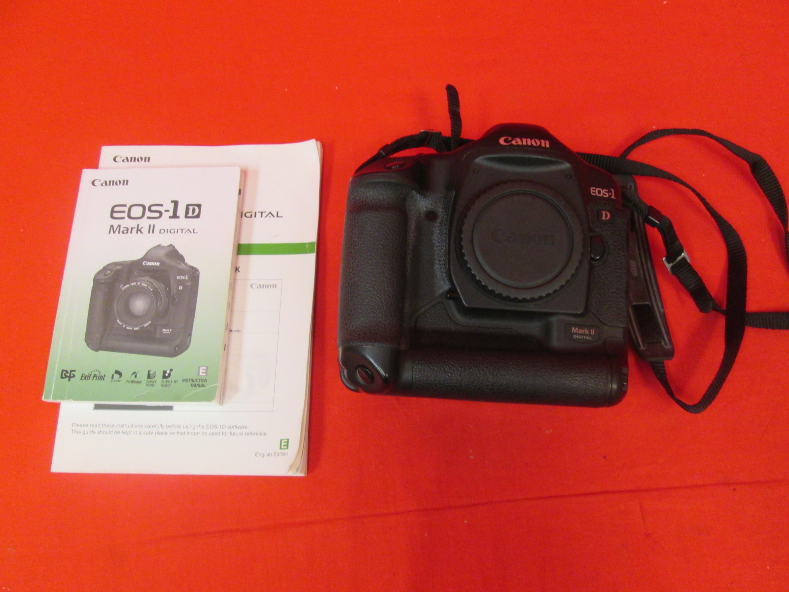 Canon EOS-1D 0931C002 8.2MP Digital SLR Camera Body Only Mark II Black