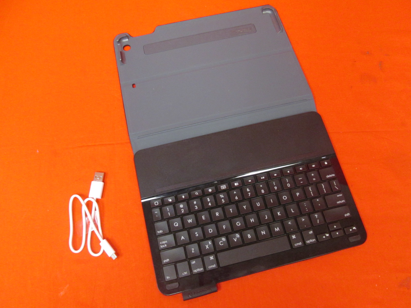 Logitech Type+ iPad Air Keyboard Case With Integrated Keyboard For