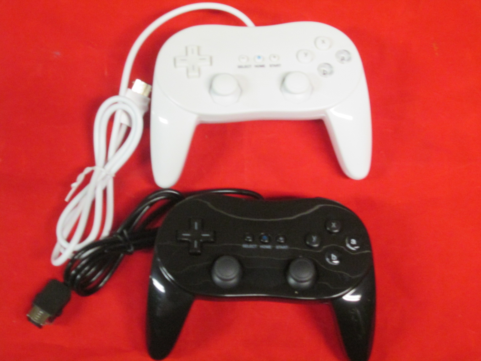 2 X New Classic Pro Remote Controller For Nintendo Wii Black & White