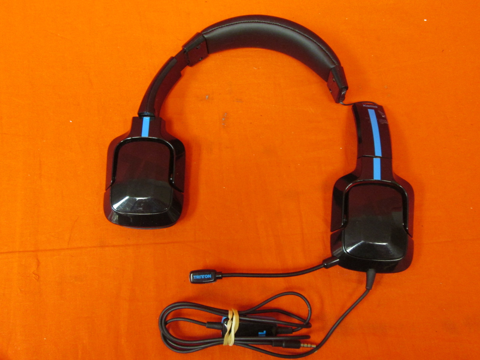Tritton Kama Stereo Headset For PlayStation 4 Broken