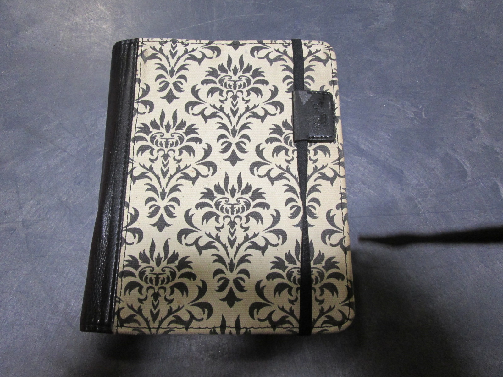Verso Versailles Folio For Tablets & E-Readers