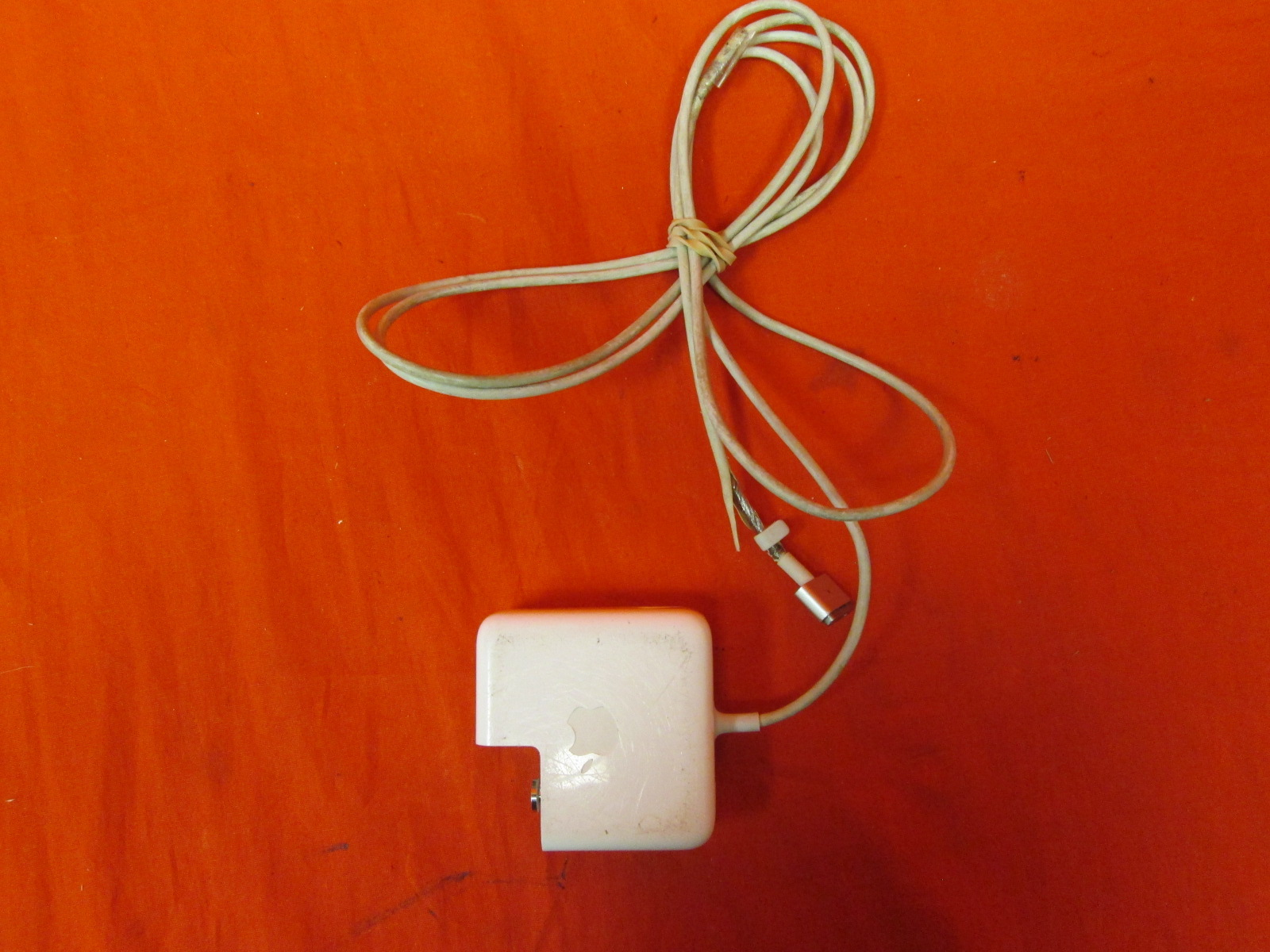 Broken Apple 45W Magsafe 2 Power Adapter For Macbook Air