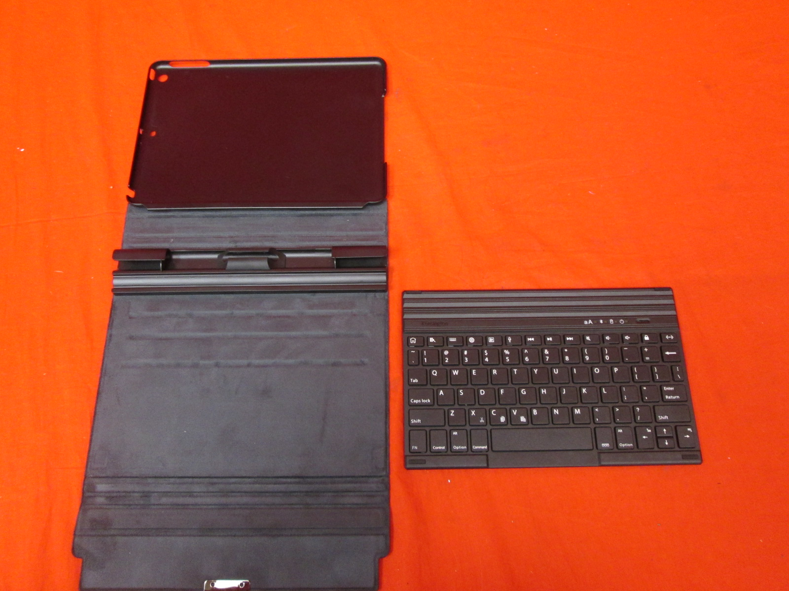 Kensington Case For iPad 5 Gen With Wireless Keyboard And Stand Black