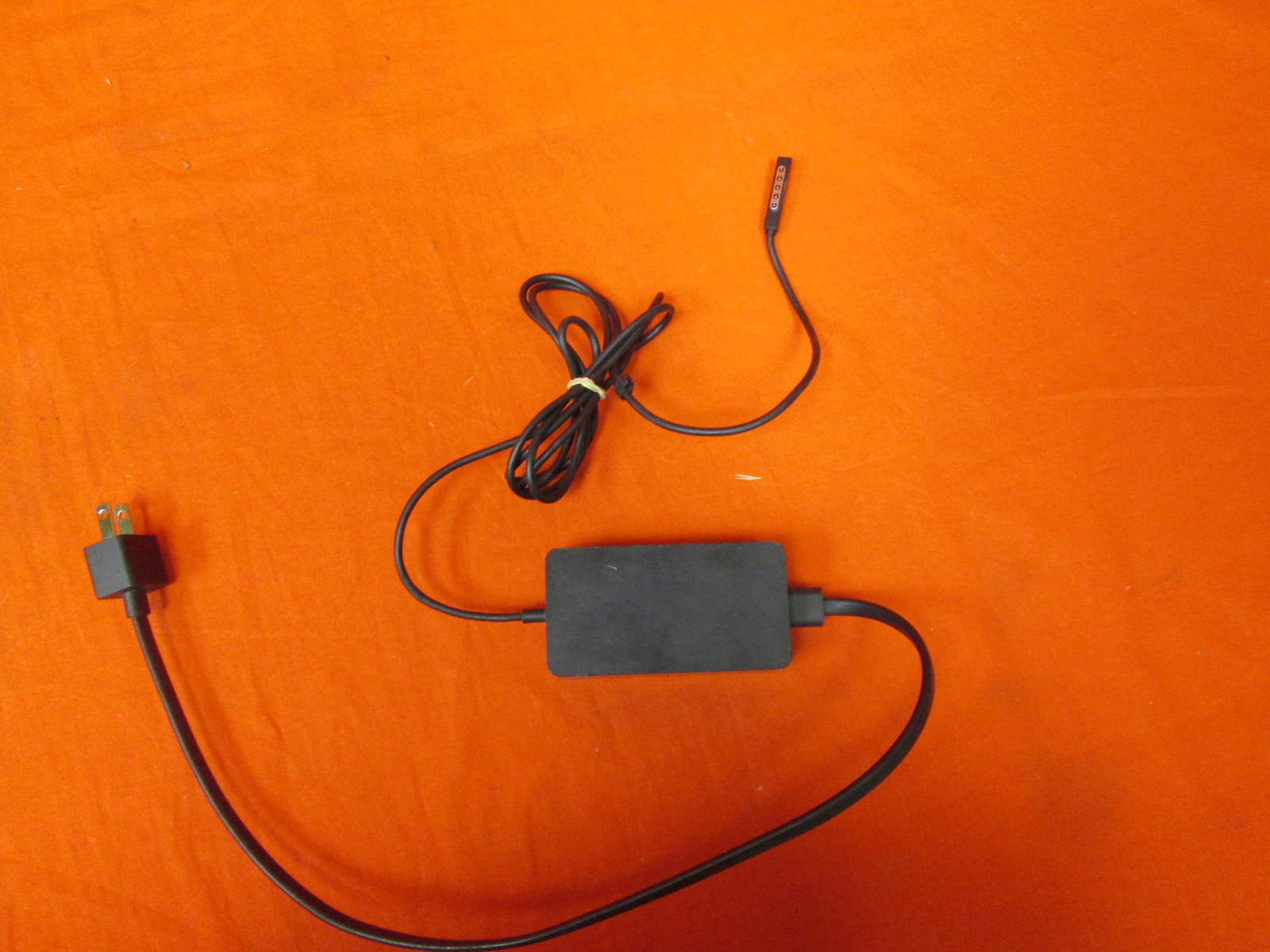 Emaks 48W 12V 3.6A Power Supply Charger For Microsoft Surface PRO2 &