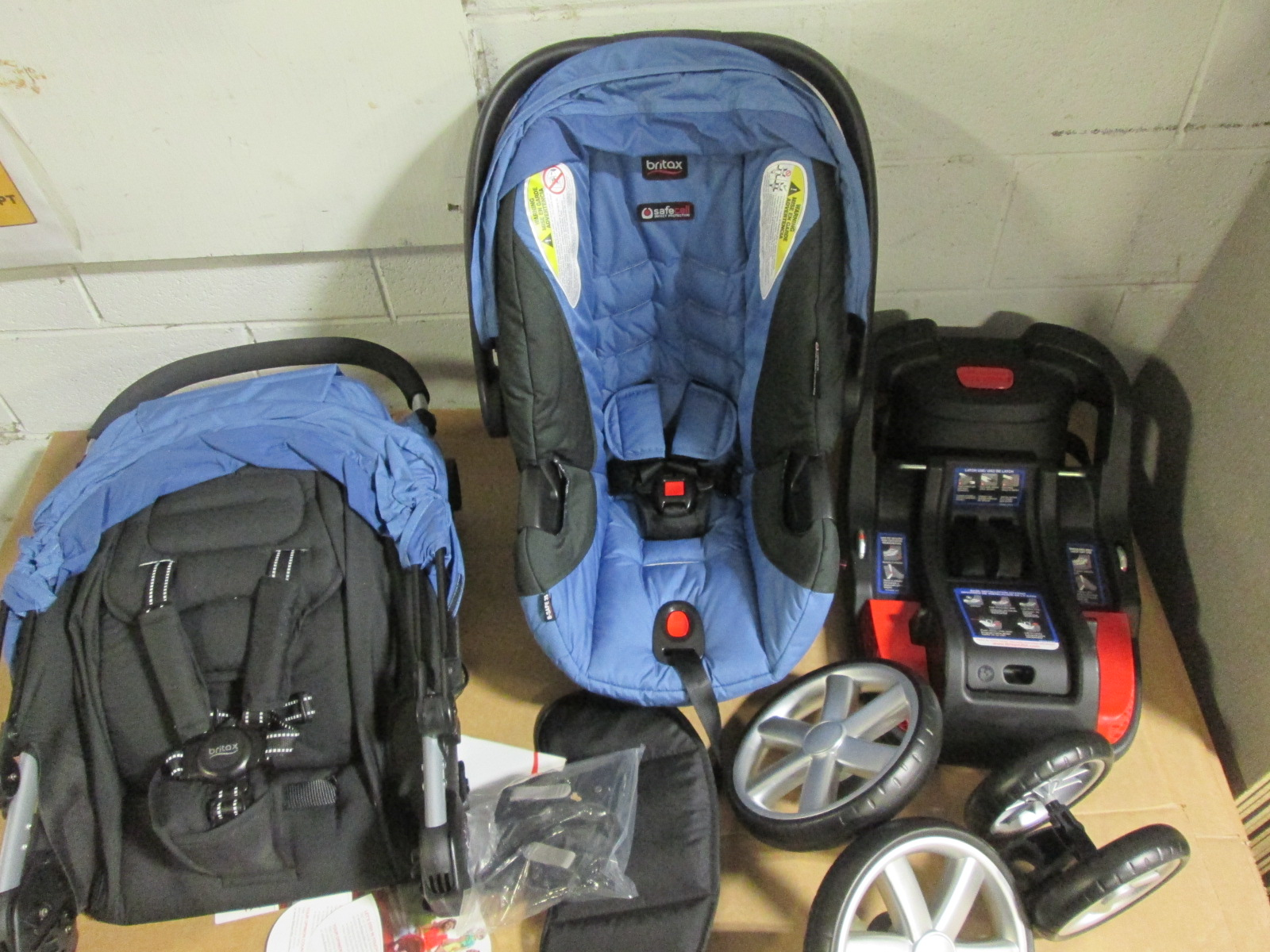 Britax B-Agile 3 And B-Safe 35 Travel System S Sapphire S02063700
