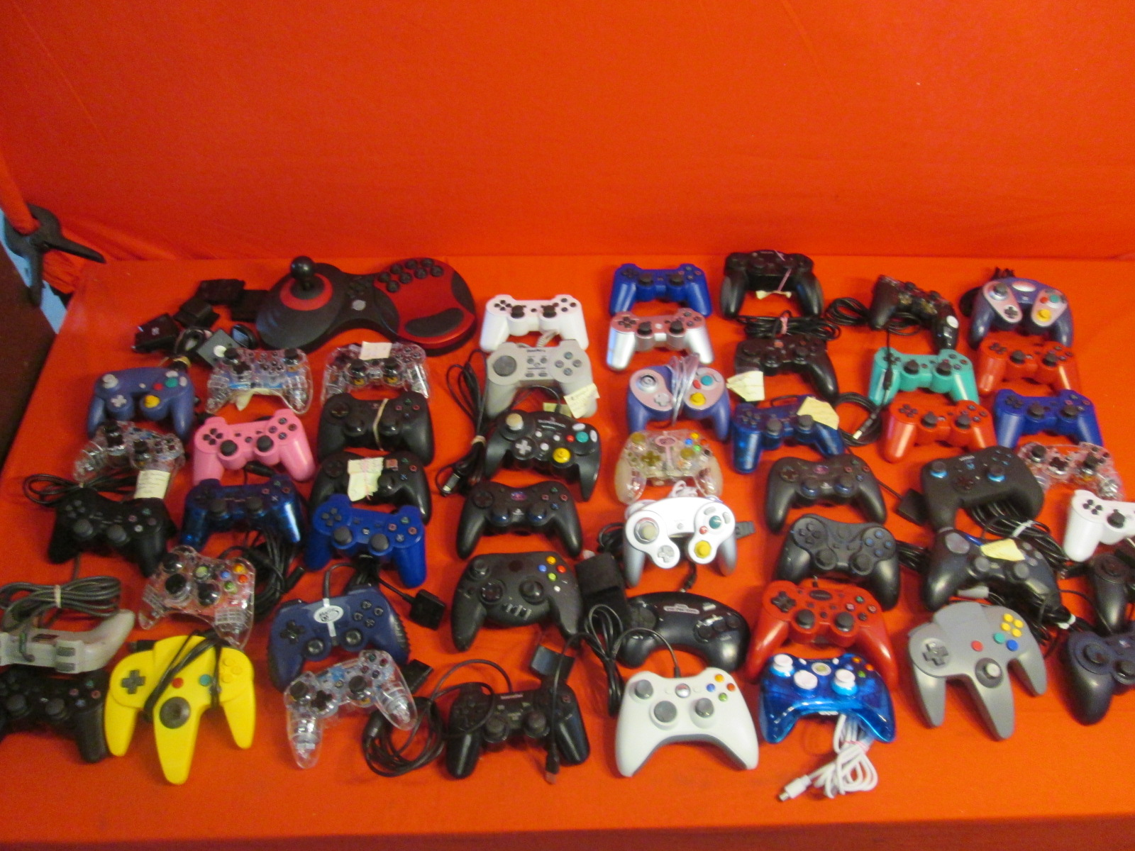 Broken Lot Of 50 Generic Video Game Controllers For PlayStation