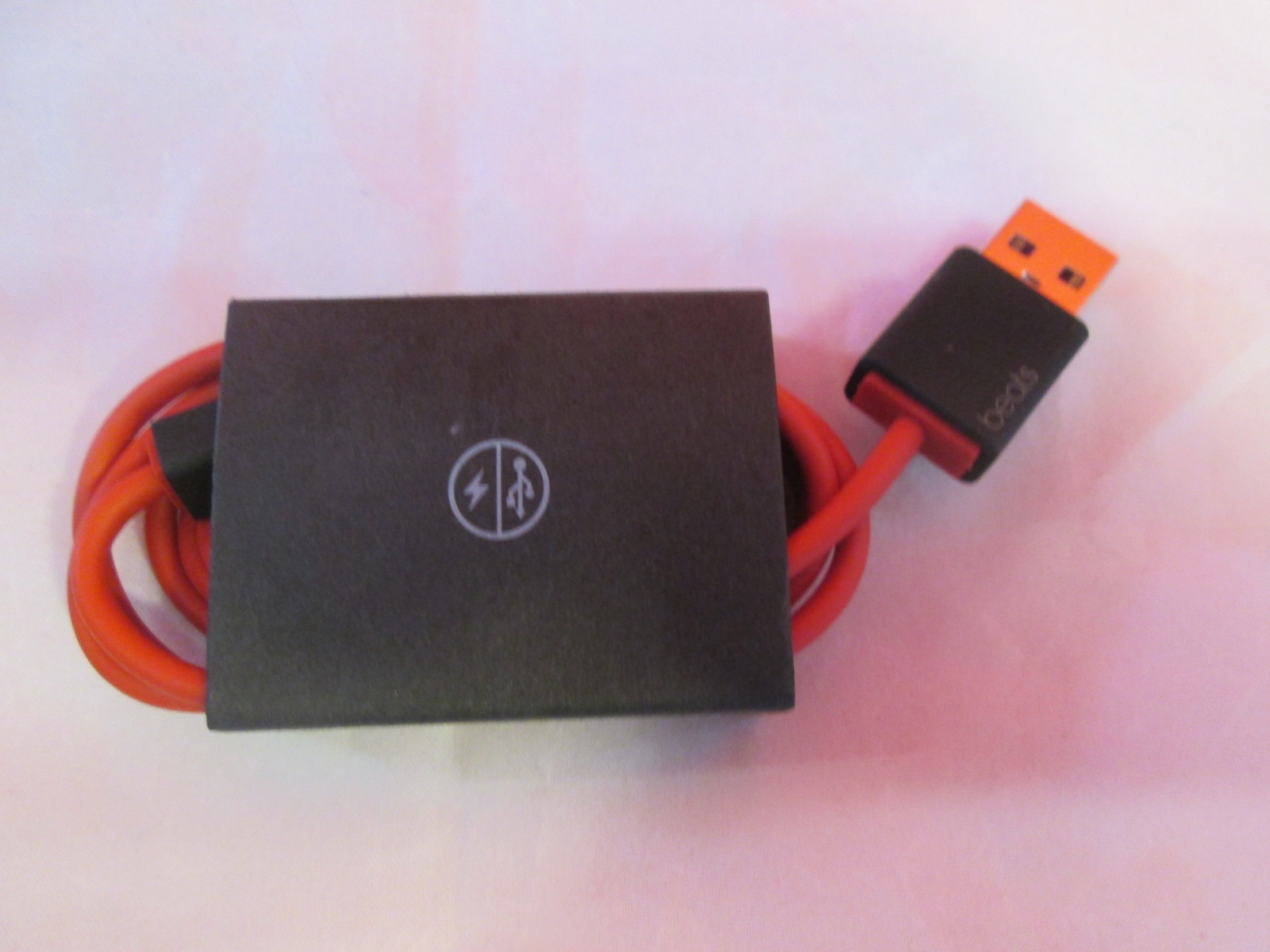 Beats OEM USB Cable Red