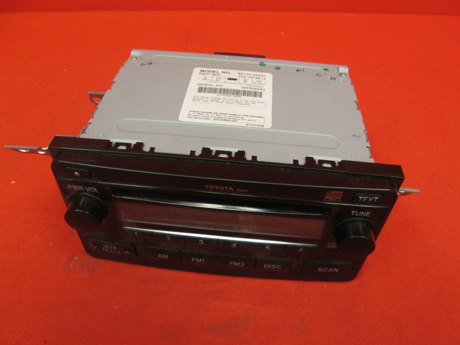 2004-2008 Toyota Matrix AM FM Radio Single Disc CD Player A51816