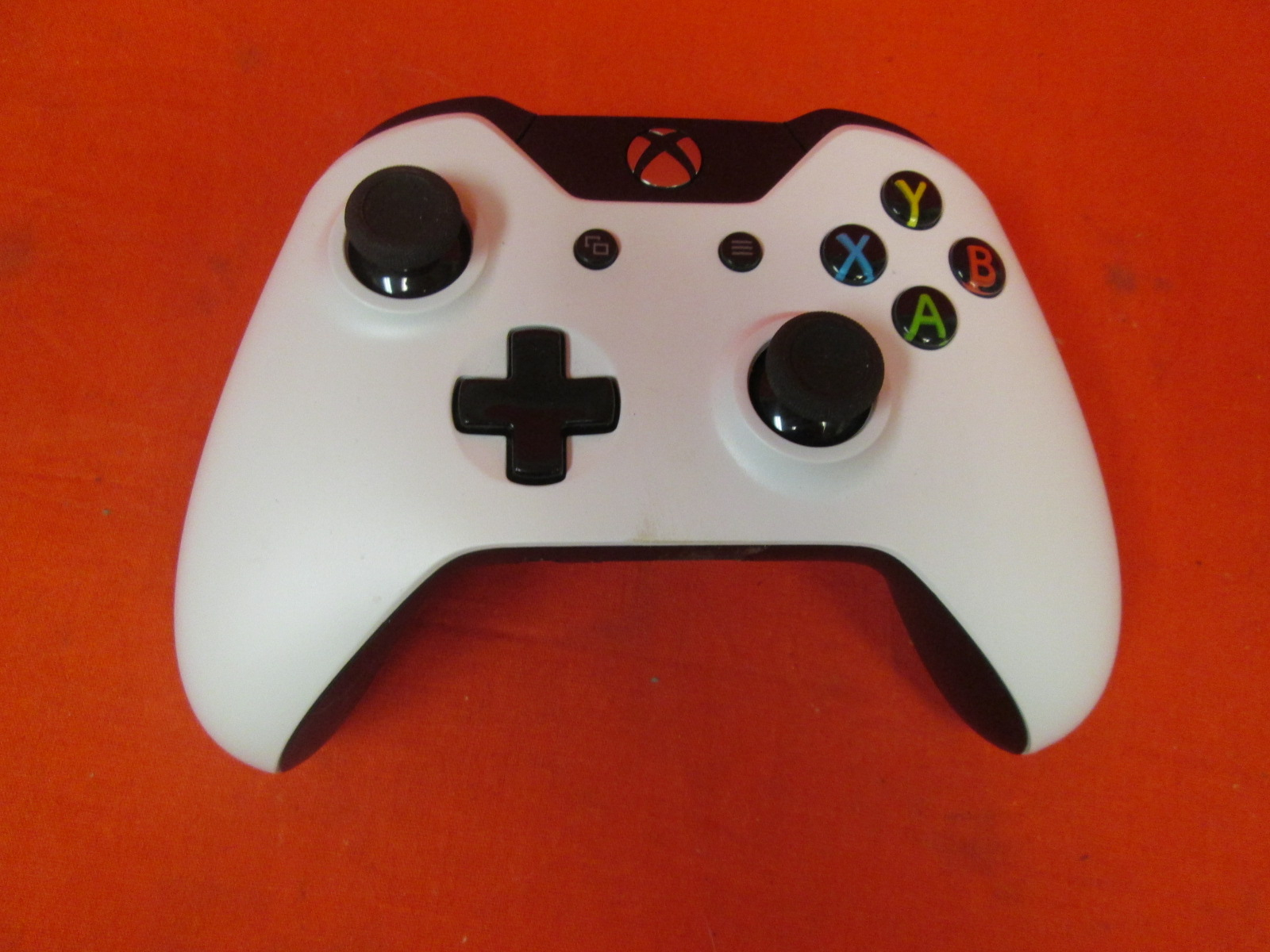 Broken Microsoft Xbox One Wireless Controller White