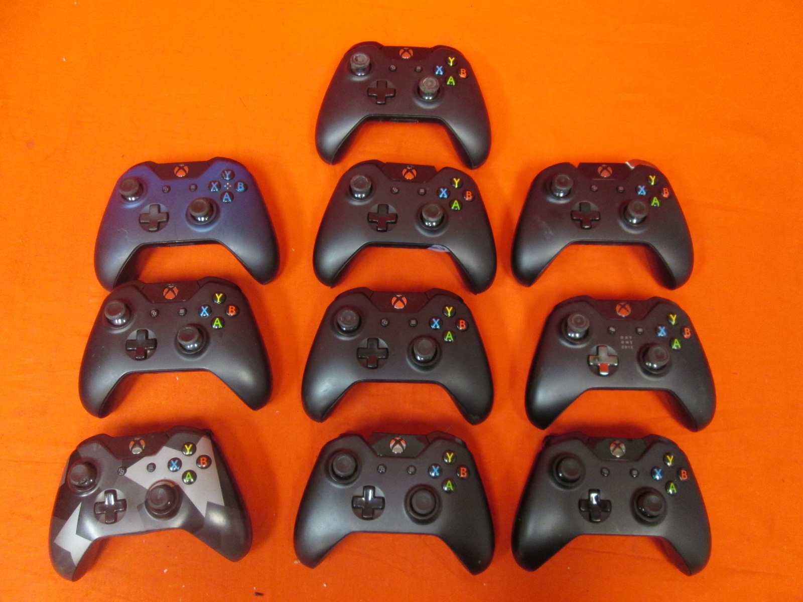 Broken Lot Of 10 Xbox One Wireless Controllers