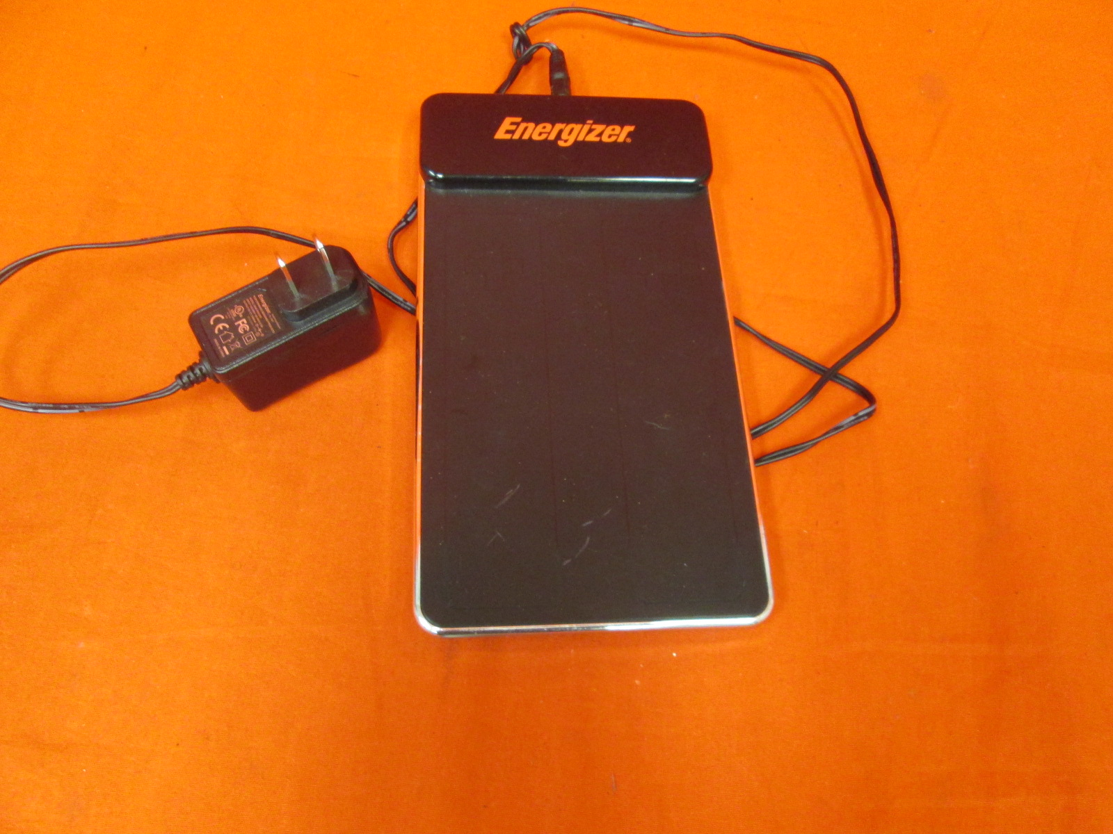 Energizer PL-7581 Flat Panel 2X Induction Charger For Wii