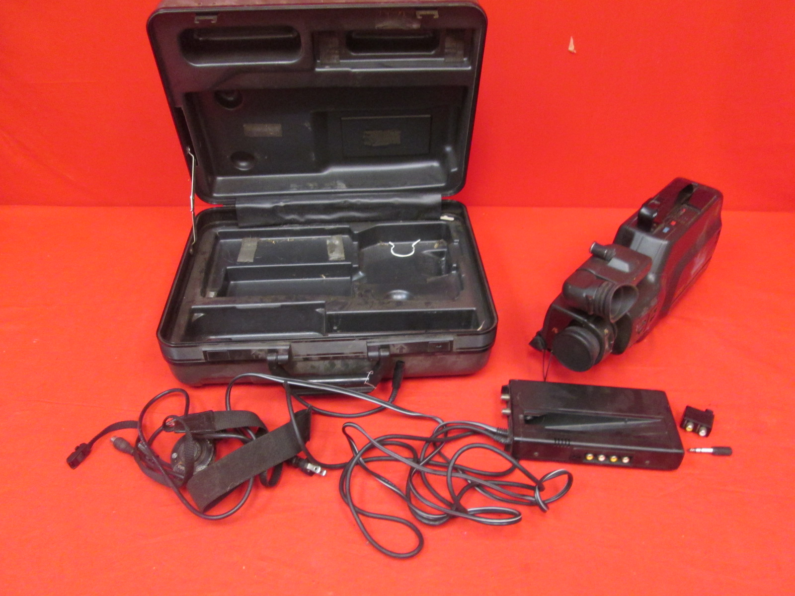Broken Vintage GE Movie Video Camera System VHS CG-9908 Camcorder