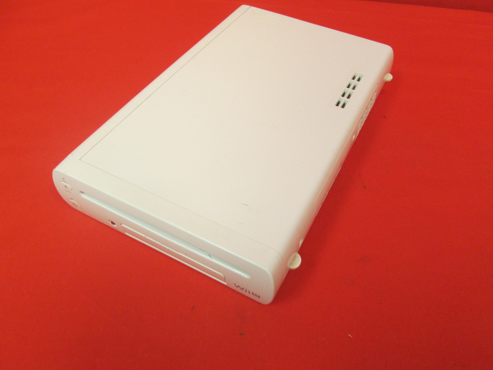 Broken Nintendo Wii U 32GB Console Only White Limited Edition