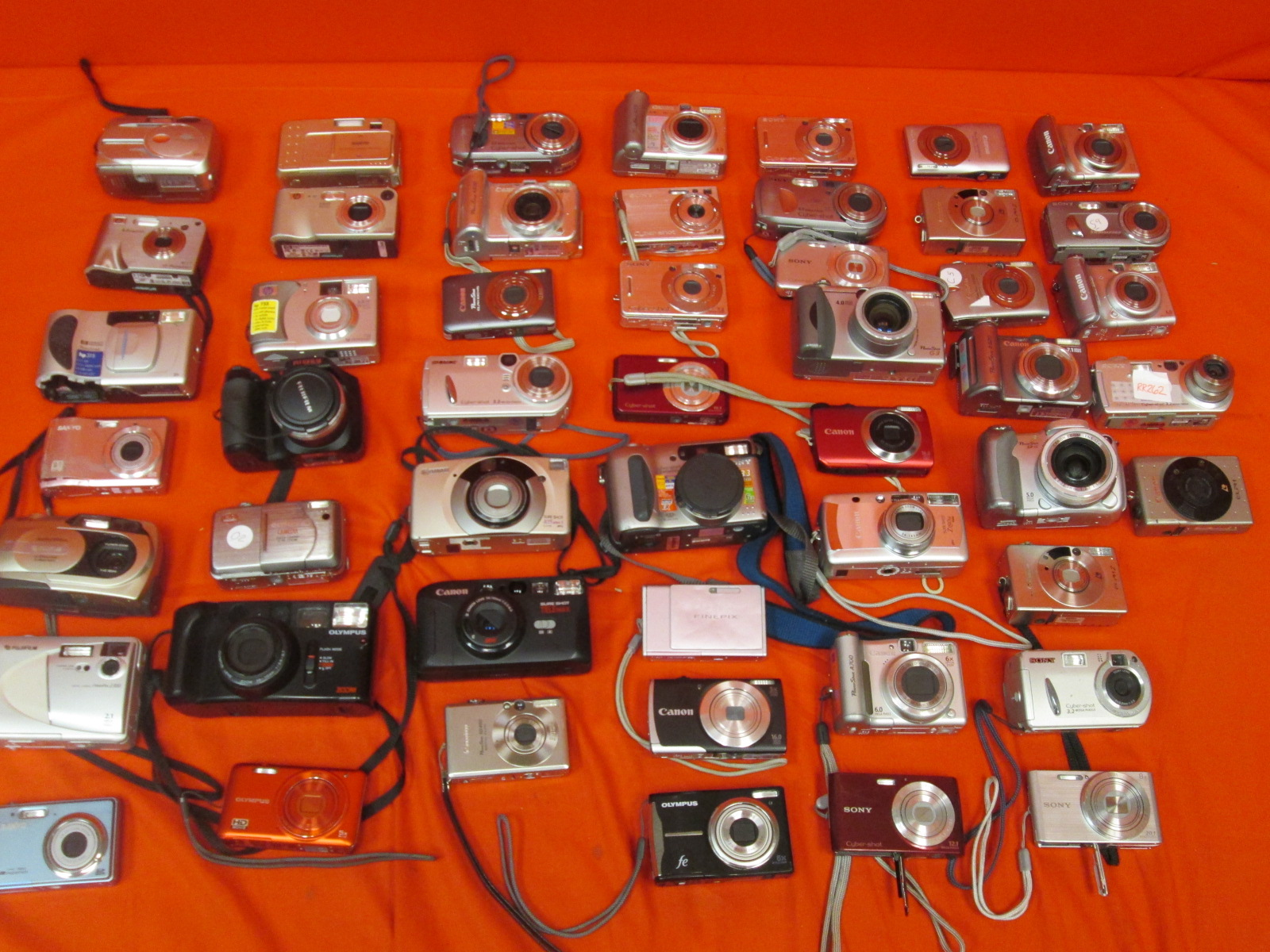 Broken Lot Of 50 Digital Cameras Sony Nikon Kodak Canon