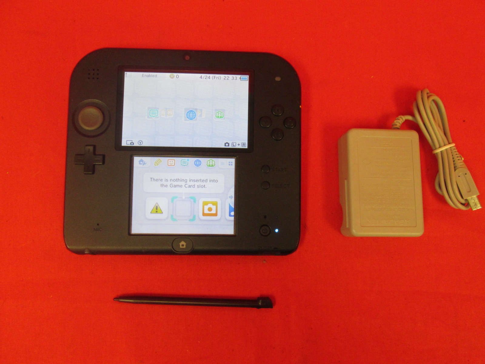 Nintendo 2DS Crimson Red 2 With Mario Kart 7