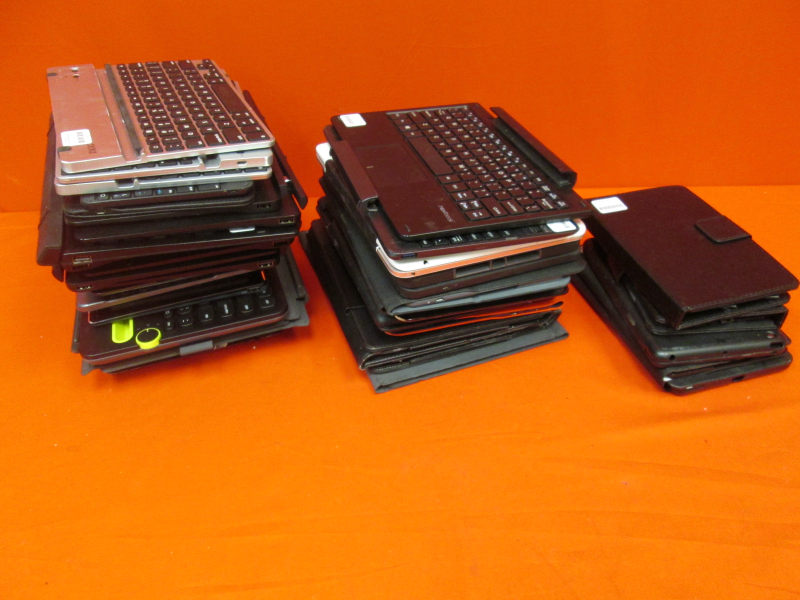 Image 0 of Broken Untested Lot Of 42 Keyboard Folios For Tablets ZAGG Belkin