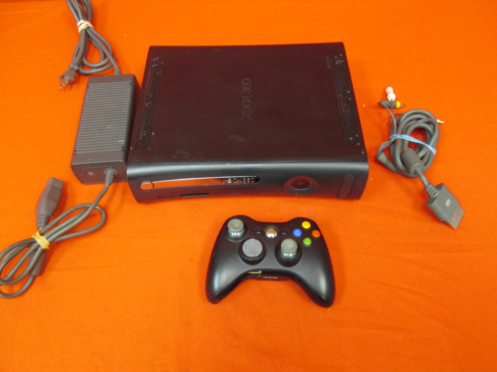 Microsoft Xbox 360 Video Game System Console With Controller Black
