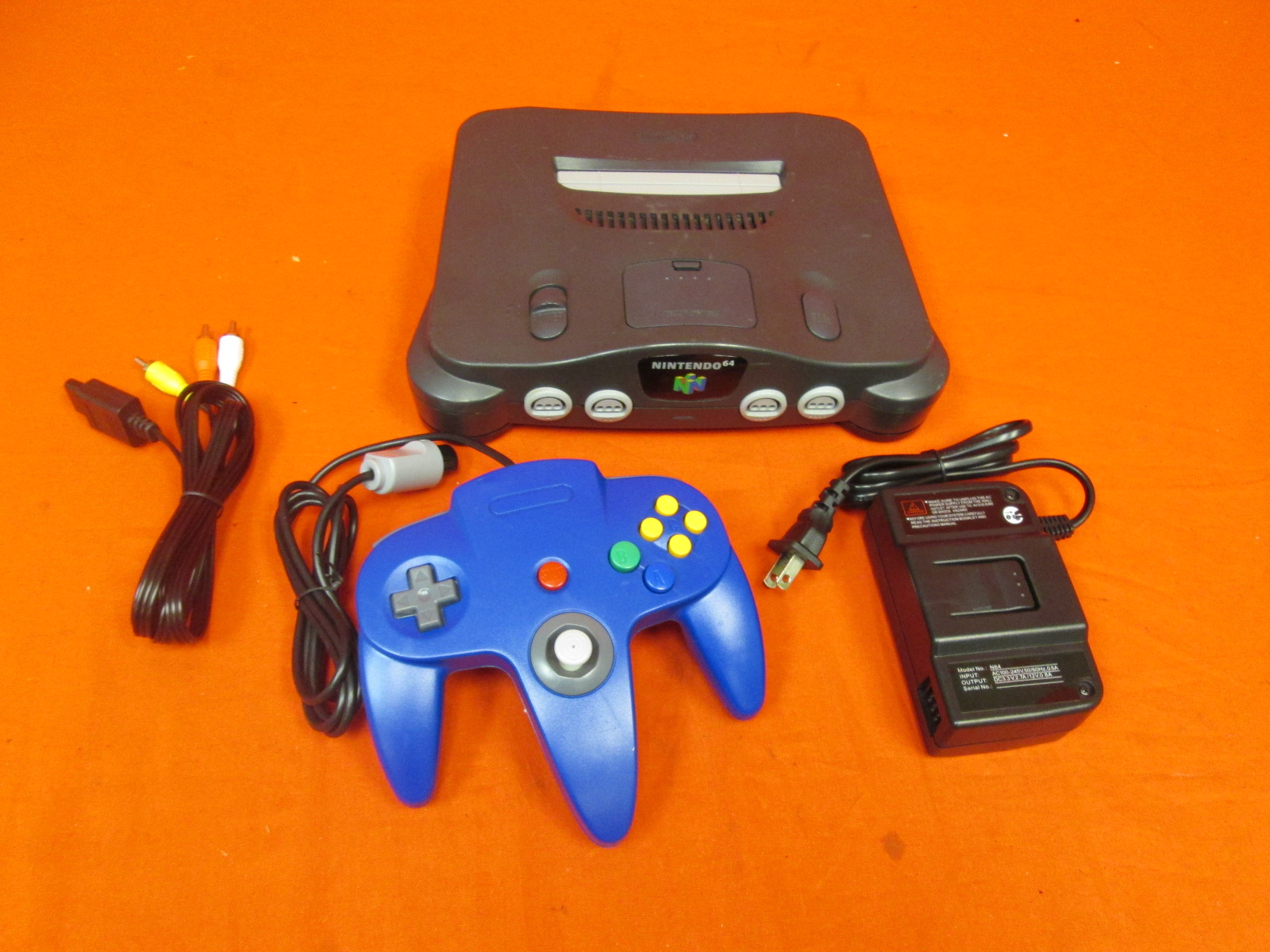 Nintendo N64 Video Game Console With Controller