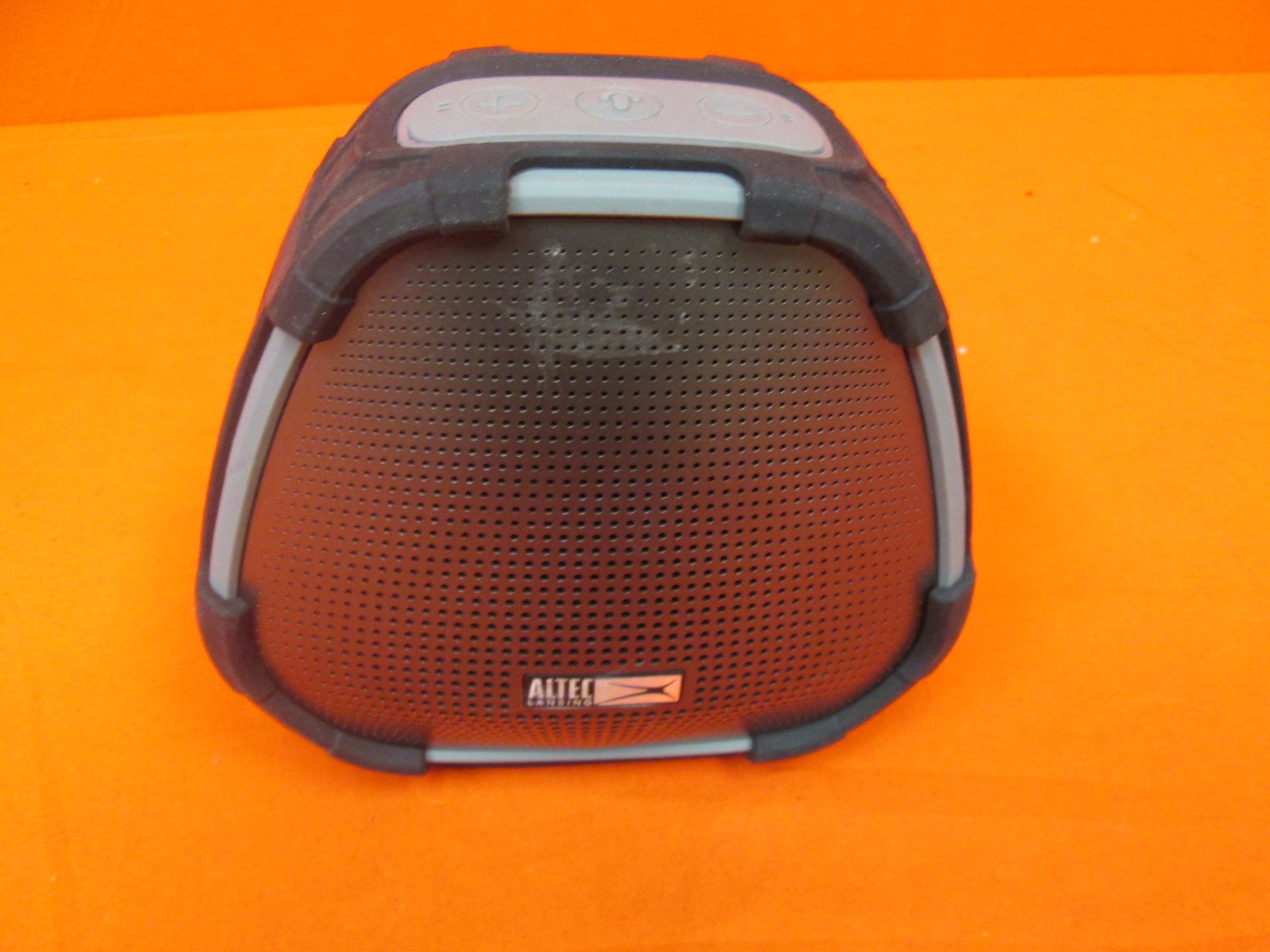 Broken Altec Lansing Versa Smart Portable Bluetooth Speaker