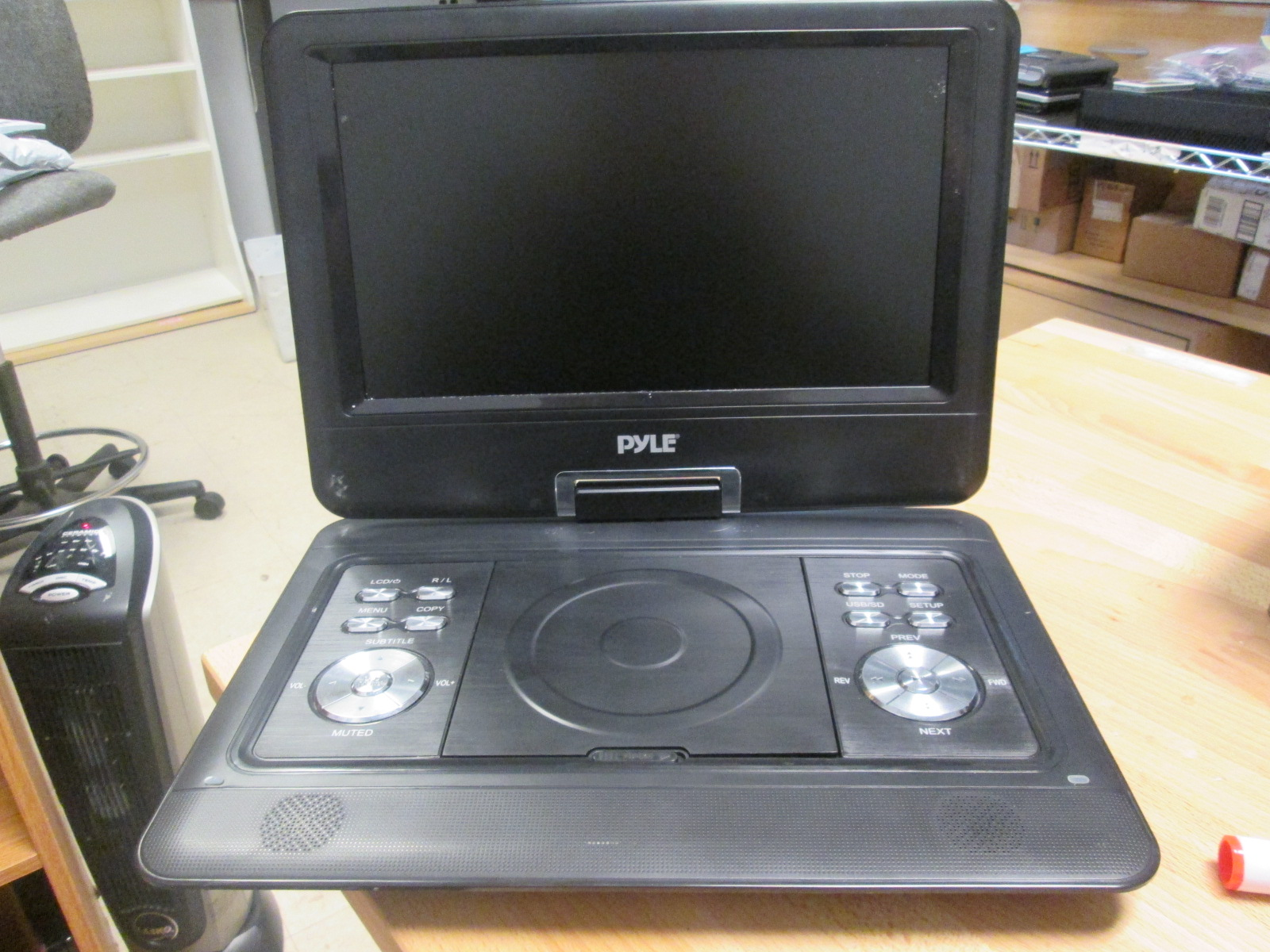 Broken Pyle Portable DVD CD Player 14 Inch Incomplete