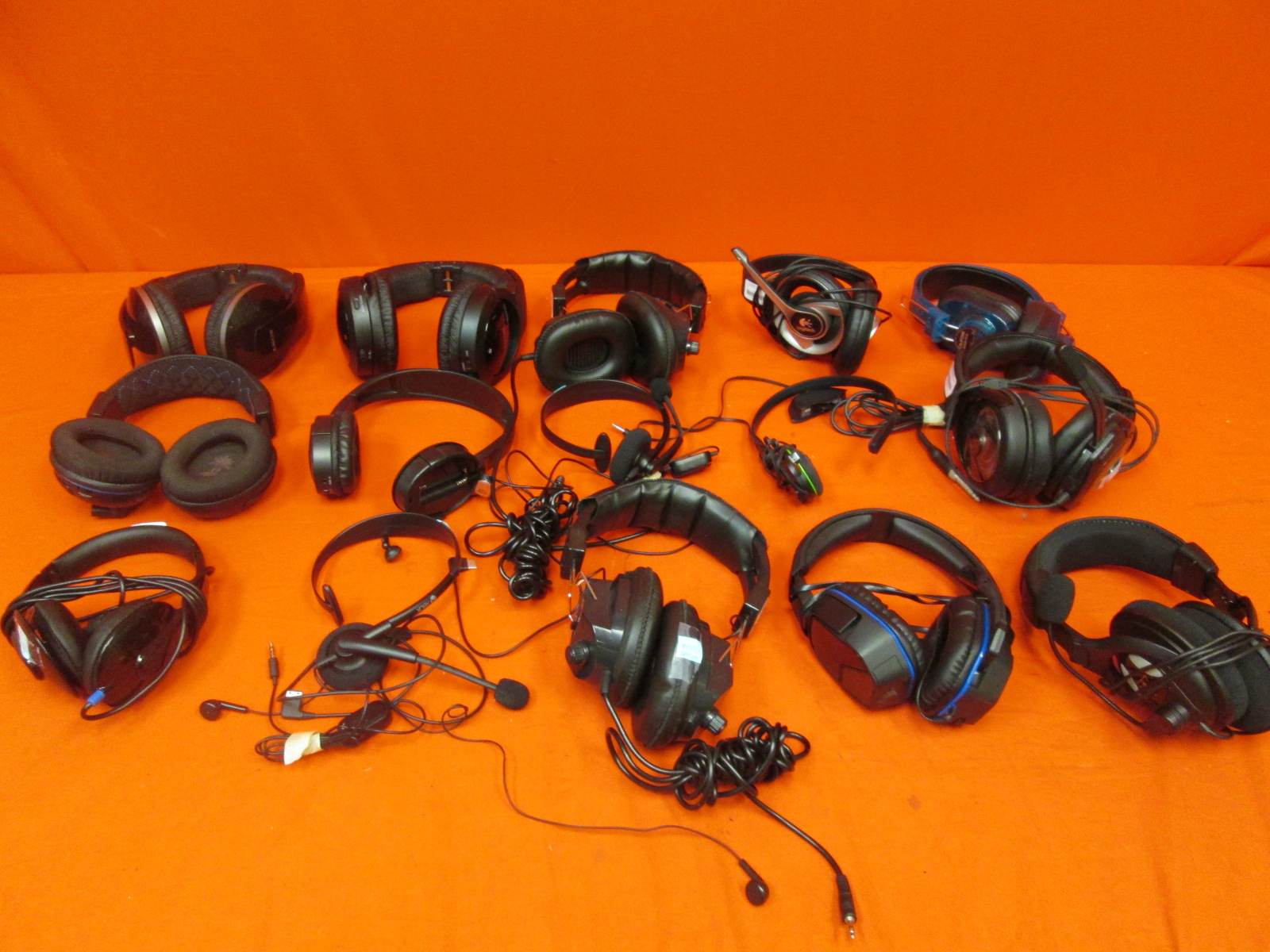 Broken Lot Of 15 Gaming Headsets Sony Logitech Turtle Beach