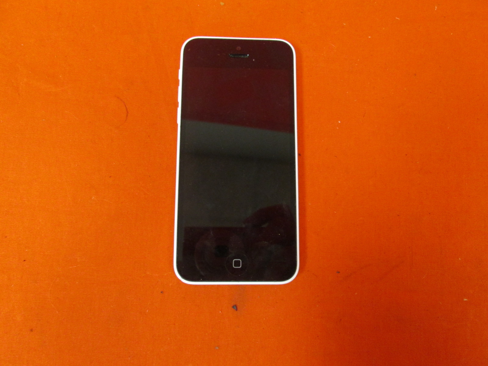 Broken Apple iPhone 5C White 16GB Locked GSM Smartphone