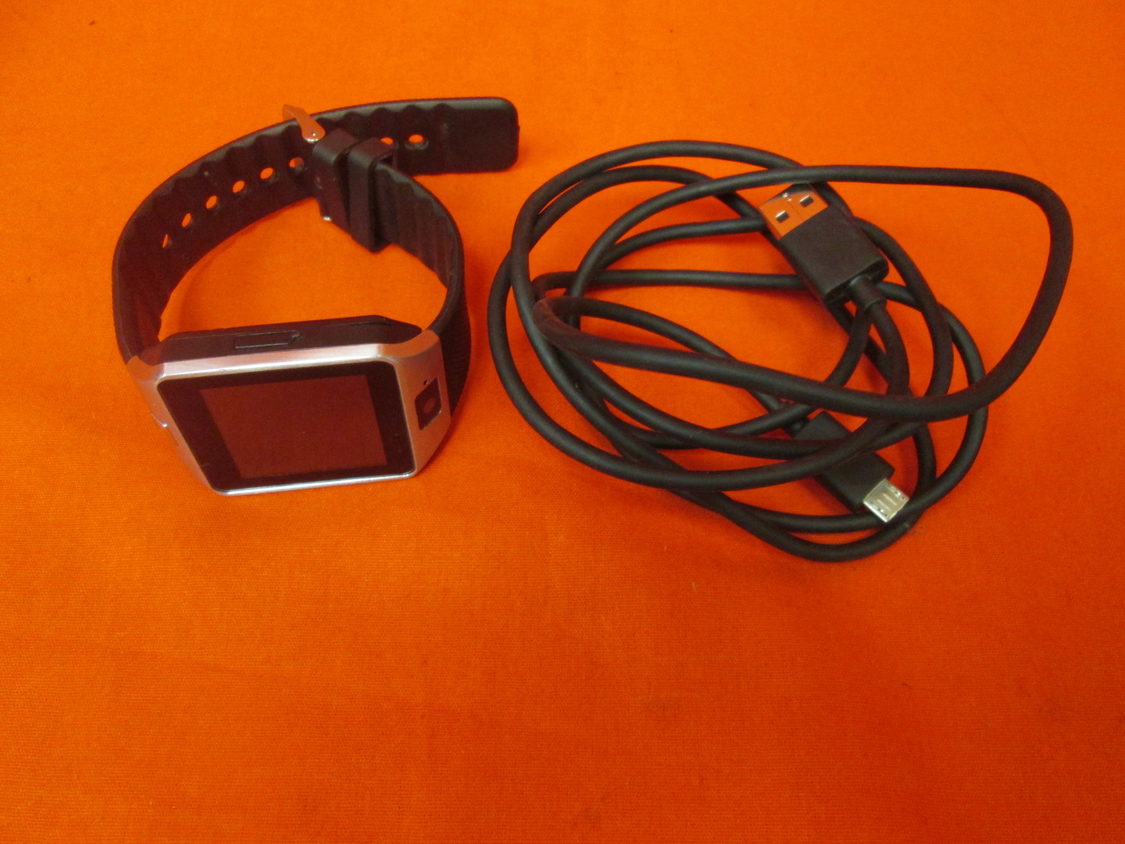 Cawono Bluetooth Smartwatch Android For iOS iPhone Incomplete