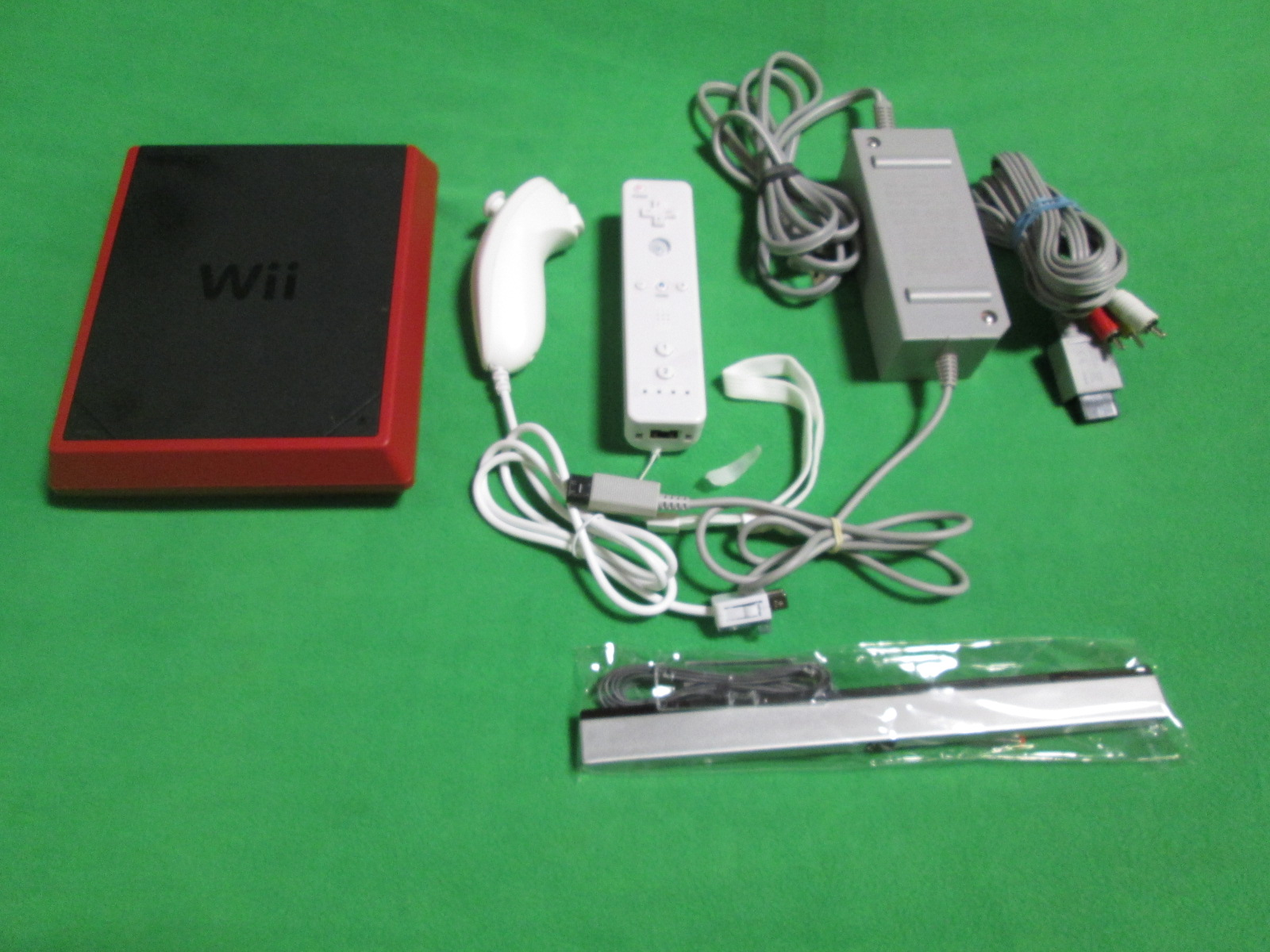 Image 0 of Nintendo Wii 8GB Mini Red/black Video Game Console Home System RVL-201
