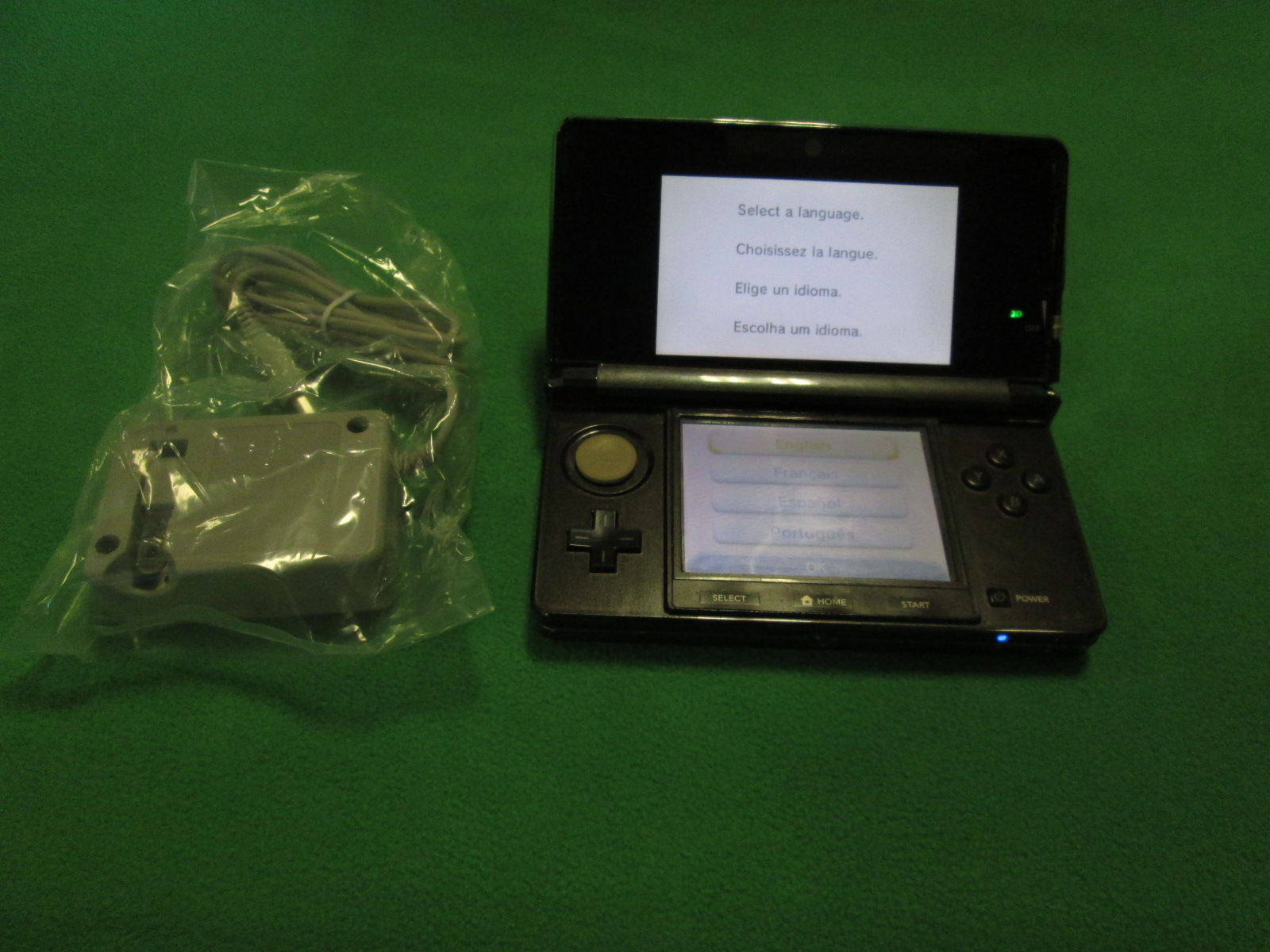 Nintendo 3DS Cosmo Black With Memory Card Console Handheld