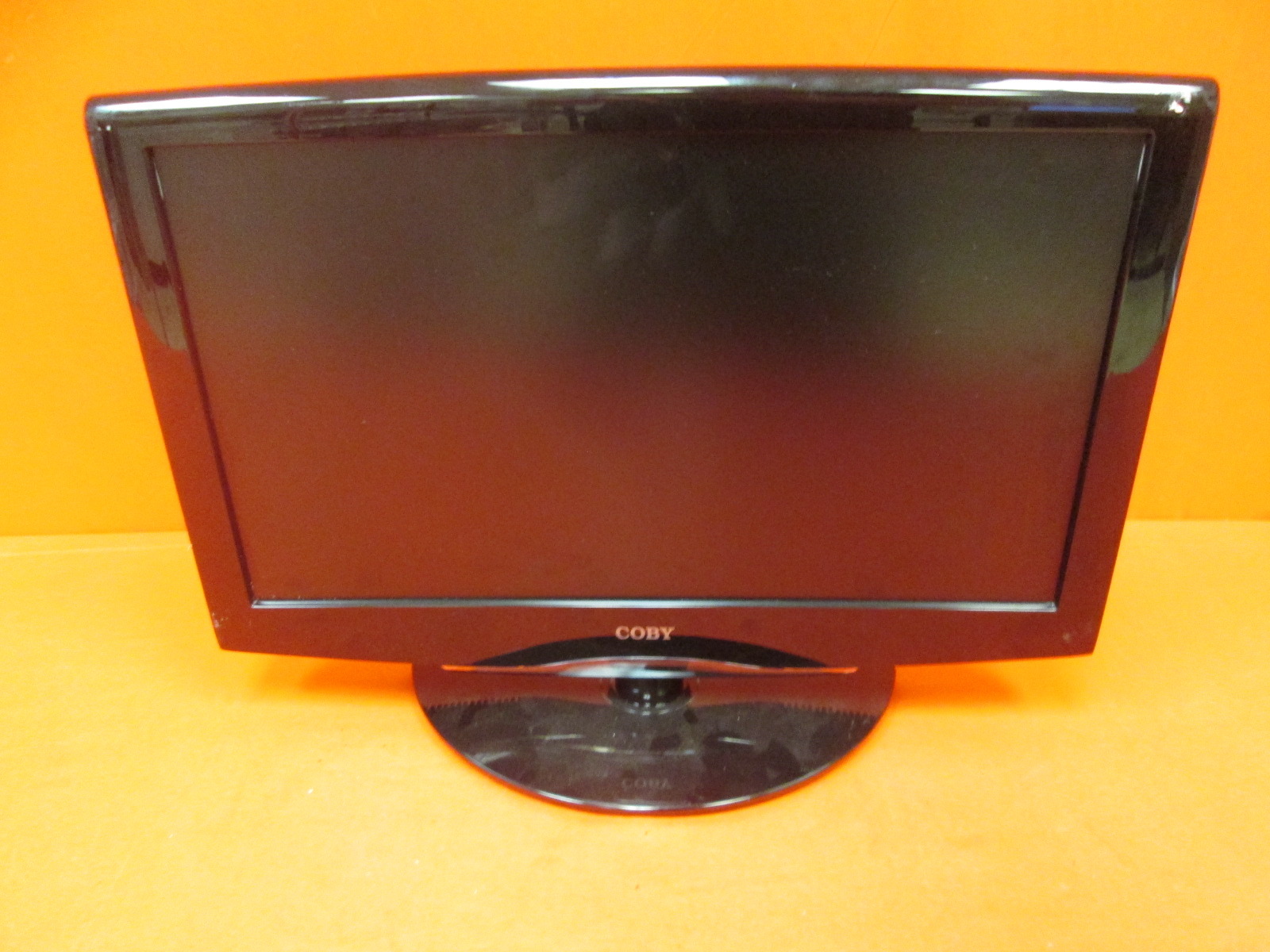 Broken Coby TFDVD2295 22-inches 720P LCD High-Definition Television