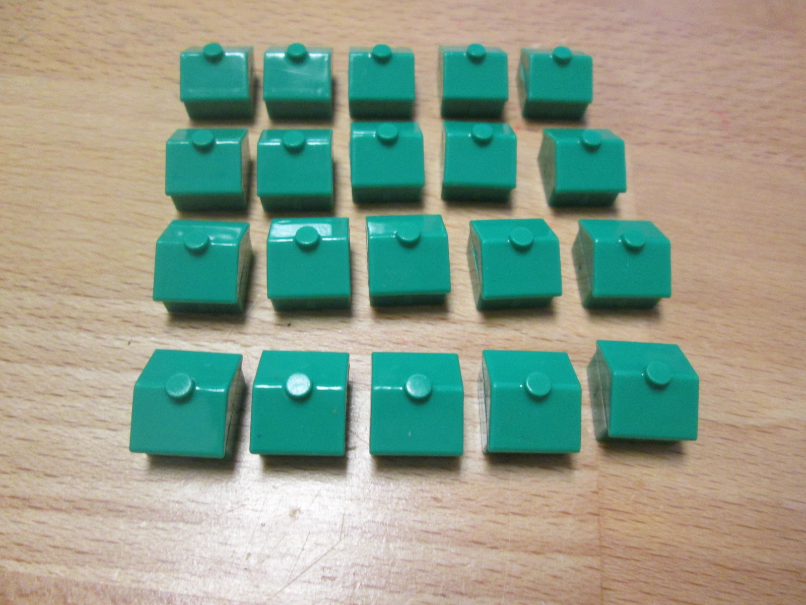Replacement Lot Of 20 House Pieces For Monopoly Classic Game Toy