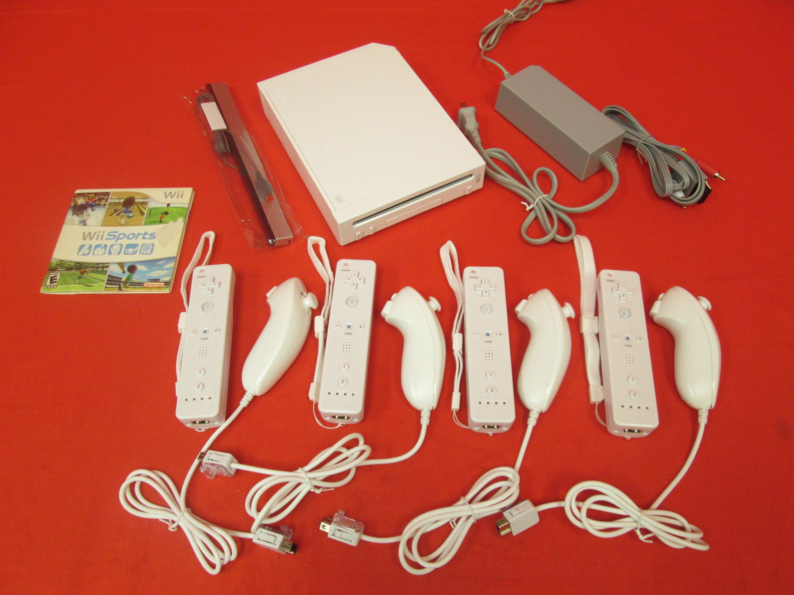 Image 0 of Nintendo Wii Console White With 4 Controllers With Wii Sports
