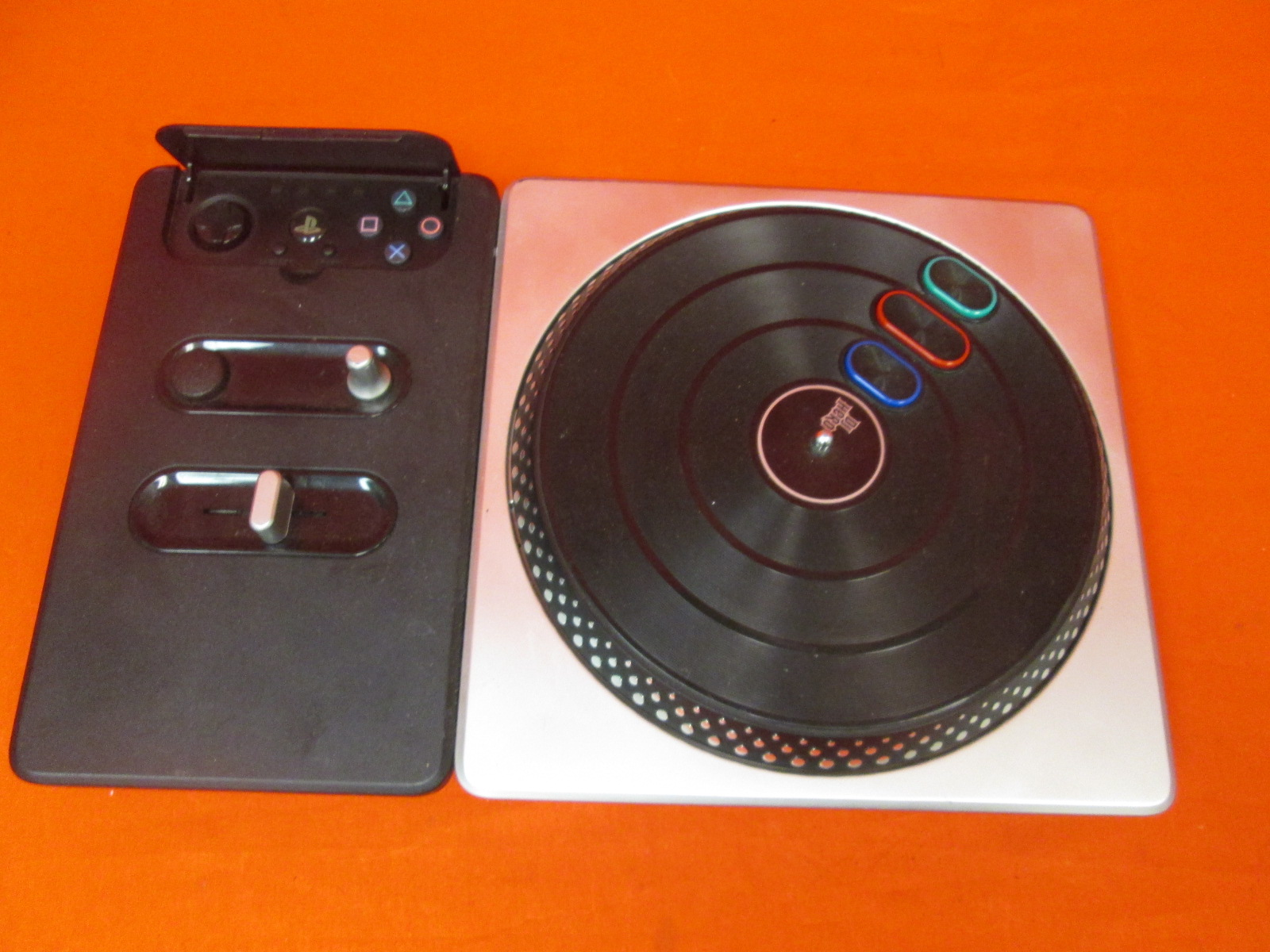 DJ Hero Stand-Alone Turntable PlayStation 2/PLAYSTATION 3 For