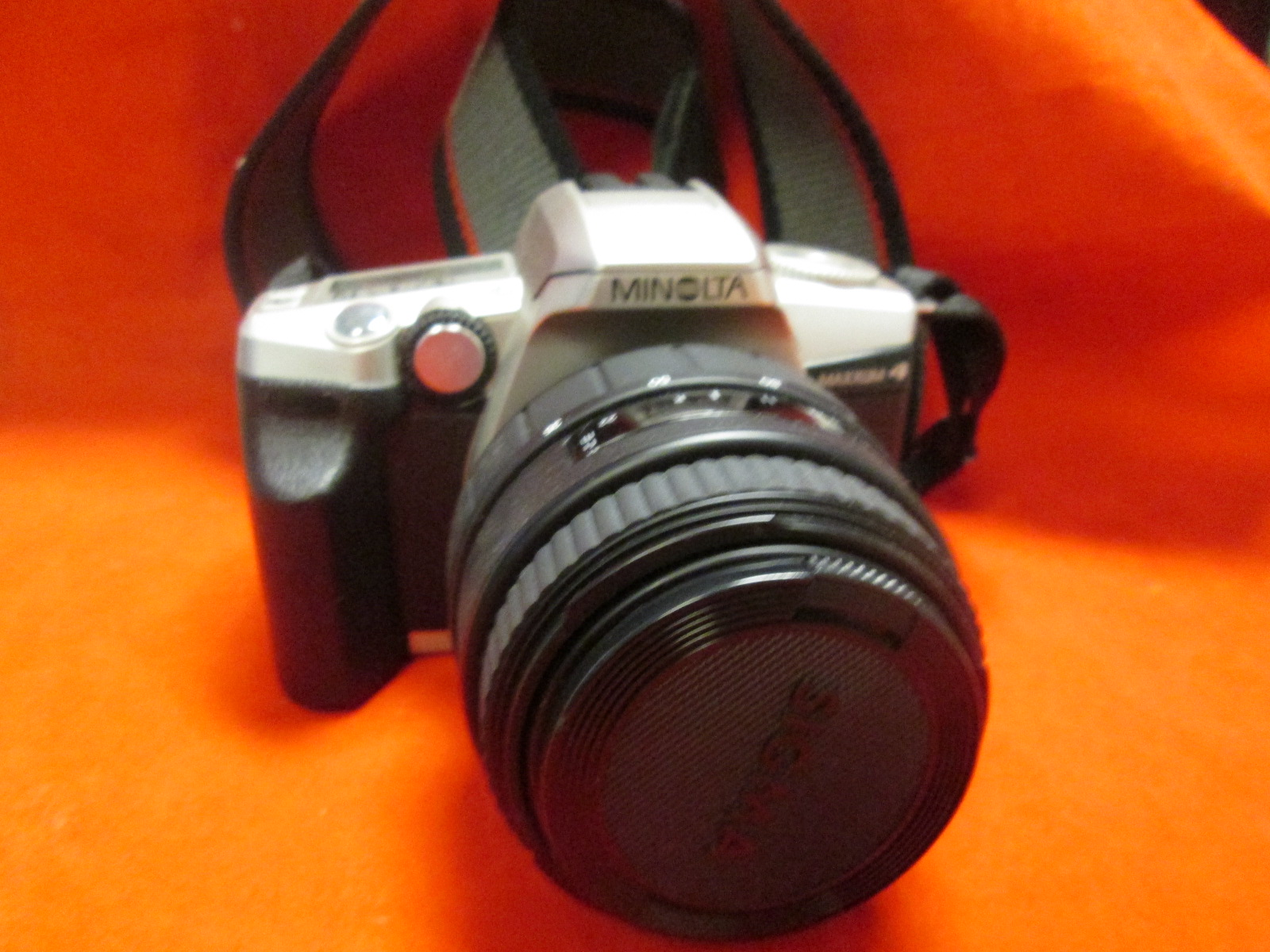 Minolta Maxxum 4 Date SLR Camera With Signma Zoom 35-80 MM Lens