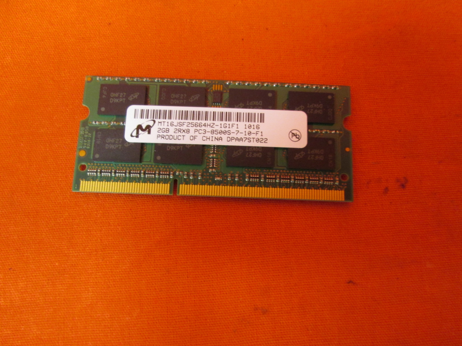 Micron 2GB DDR3 PC-8500 1066MHZ 204PIN CL7 Micron Chip MT16JSF25664HZ-