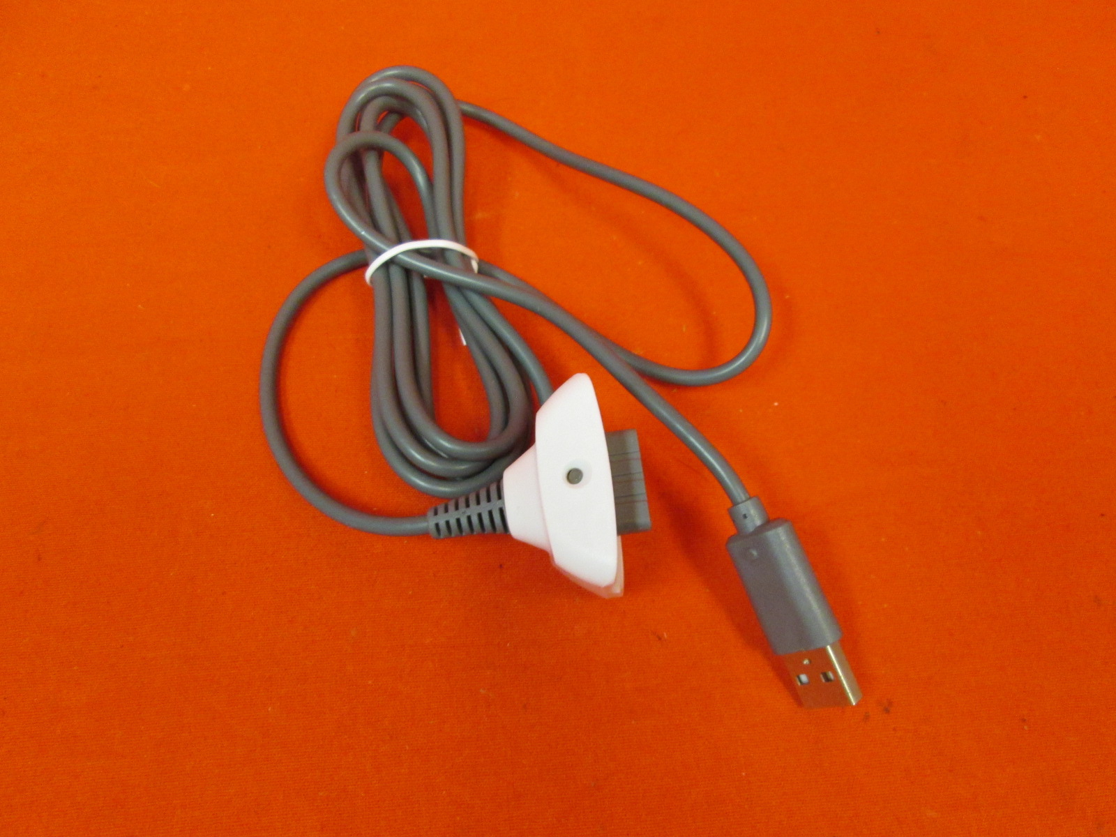 Image 0 of Play And Charge Cable White For Xbox 360 Controller