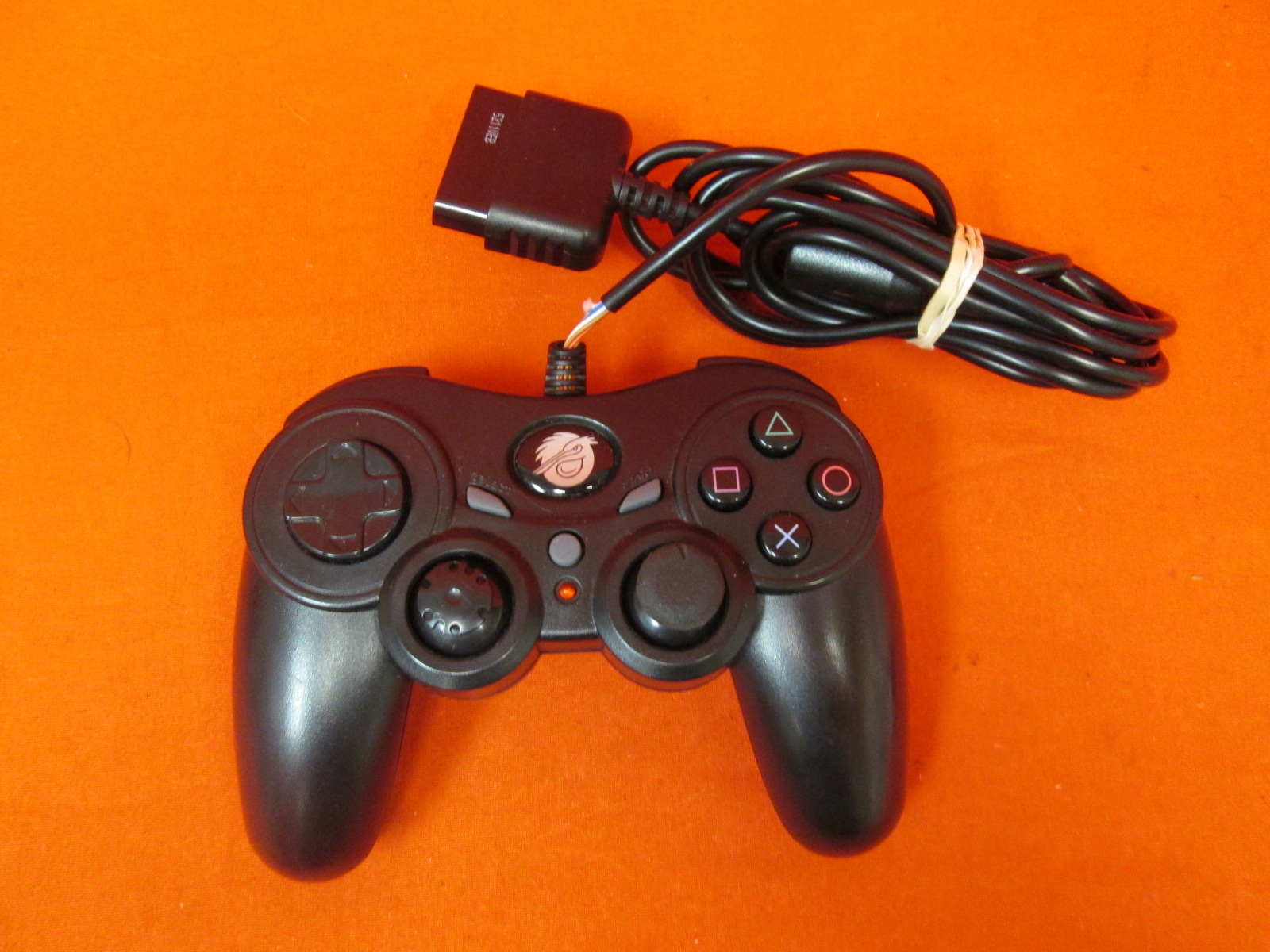 Image 1 of Pelican Corded Controller For PlayStation 2