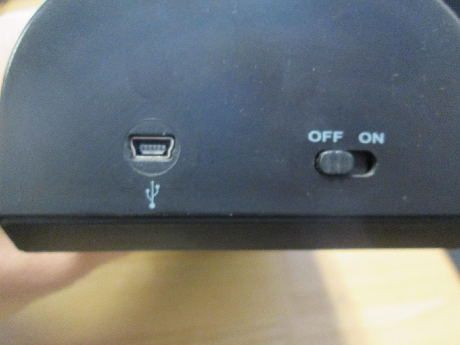Image 1 of Intec Rechargeable Battery Charger For Xbox 360 Controllers Incomplete