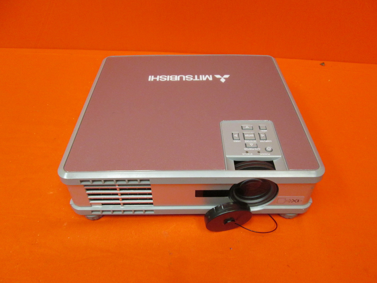 Image 0 of Mitsubishi HC10 LCD Projector 1800 Ansi Incomplete