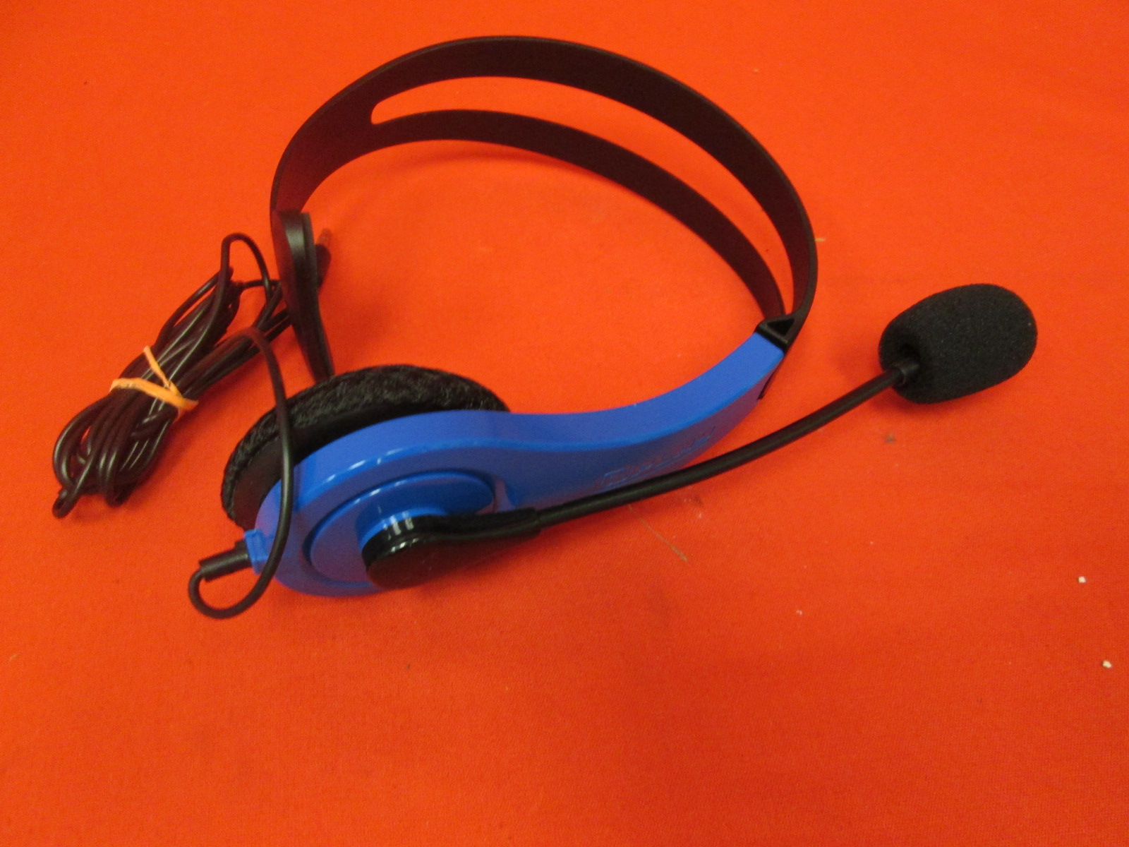 Image 0 of PlayStation 4 Wired Blue Chat Headset With Microphone By atPlay