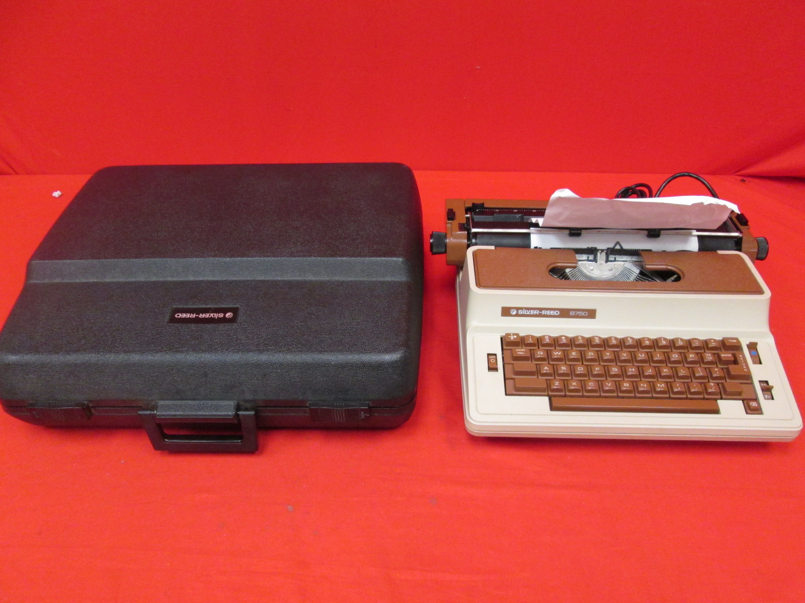 Vintage Silver-Reed Model 8750 Electric Typewriter With Case