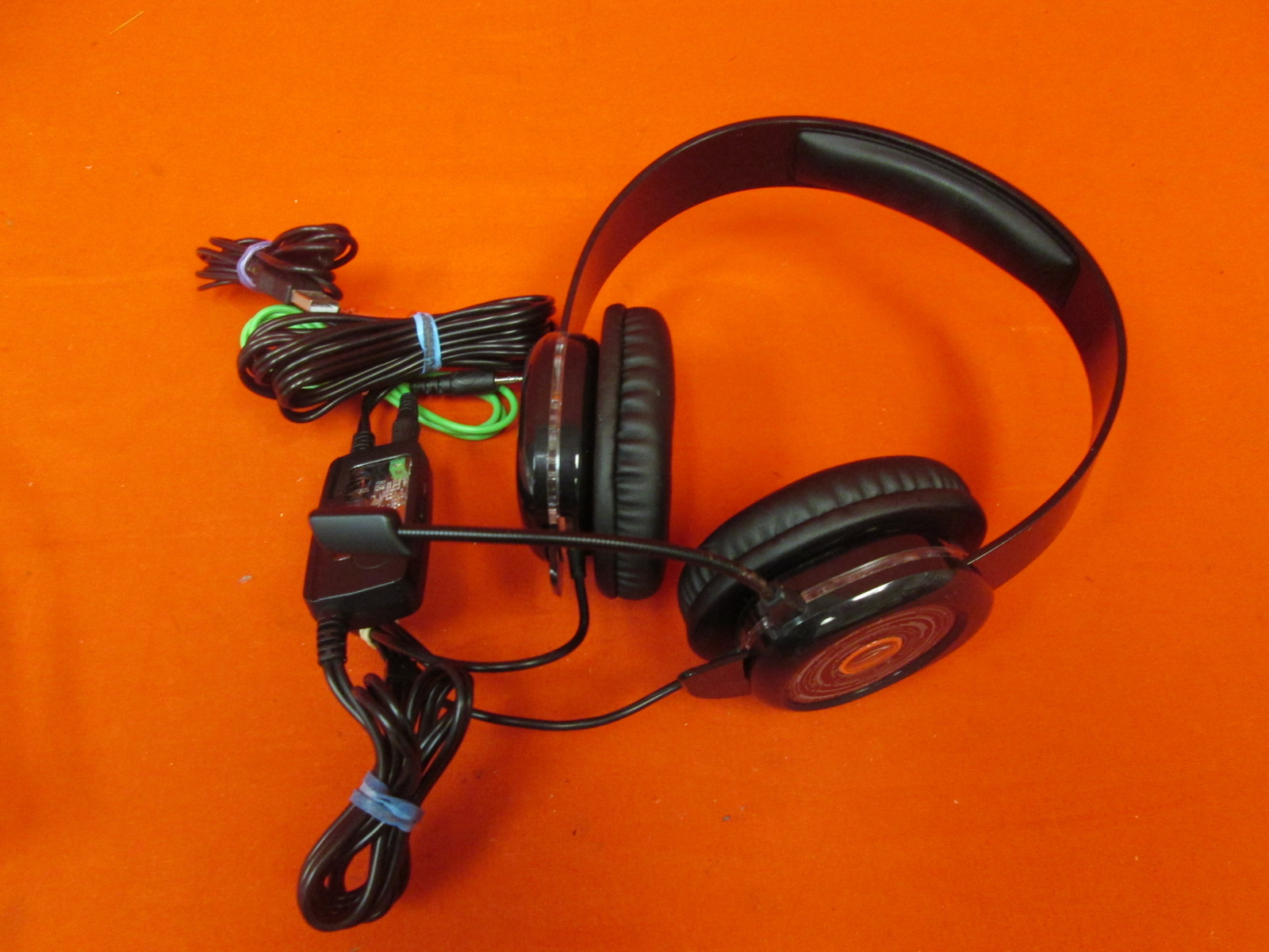 Image 0 of Afterglow AGX.50 Licensed Headset For Xbox 360 Blue Incomplete