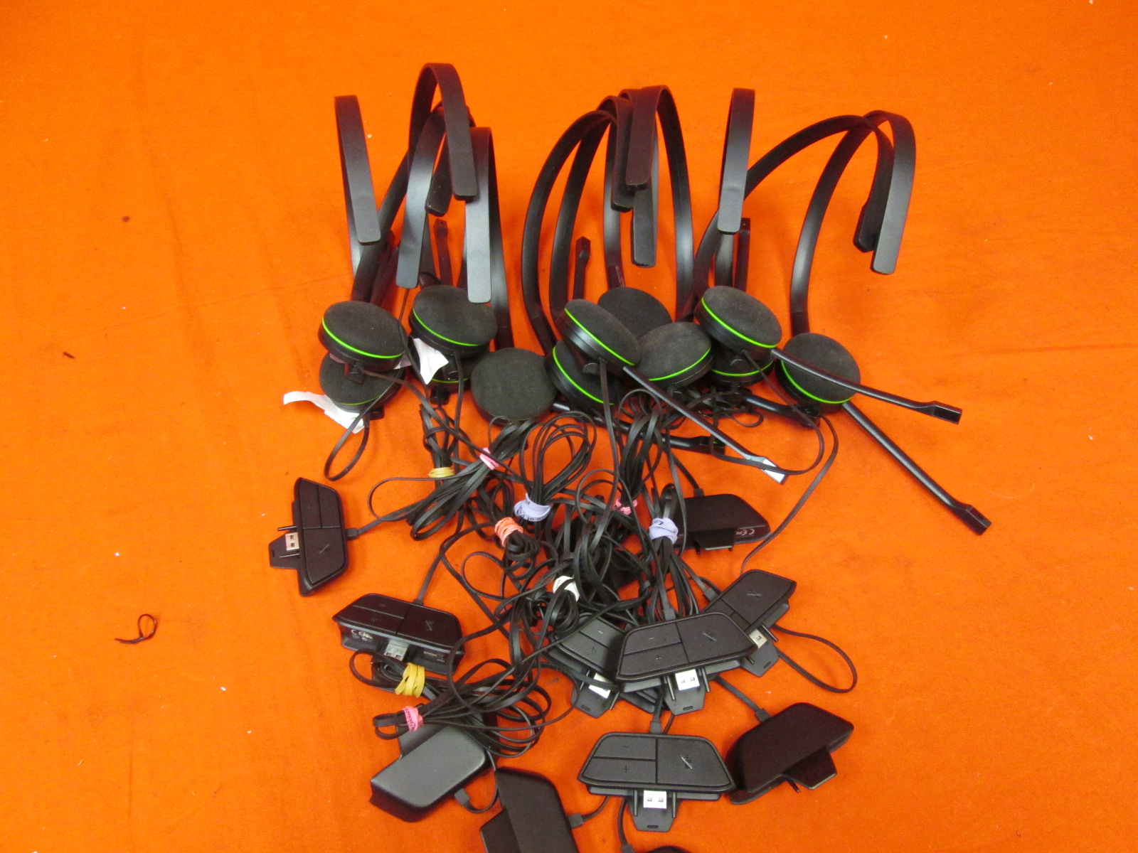 Broken Lot Of 12 Microsoft Chat Headsets For Xbox One