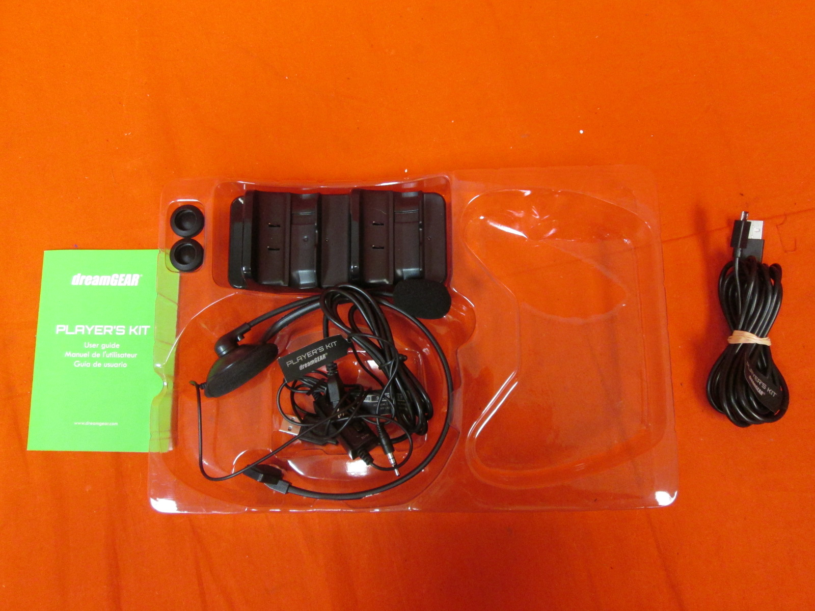 Dreamgear Player's Kit Includes Charge Dock Cable Headset For Xbox One