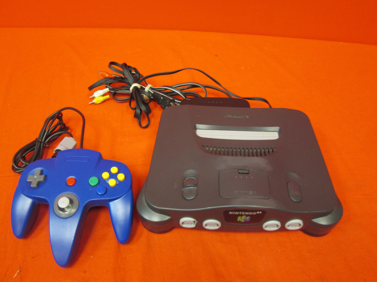 Image 0 of Nintendo N64 Gaming Console