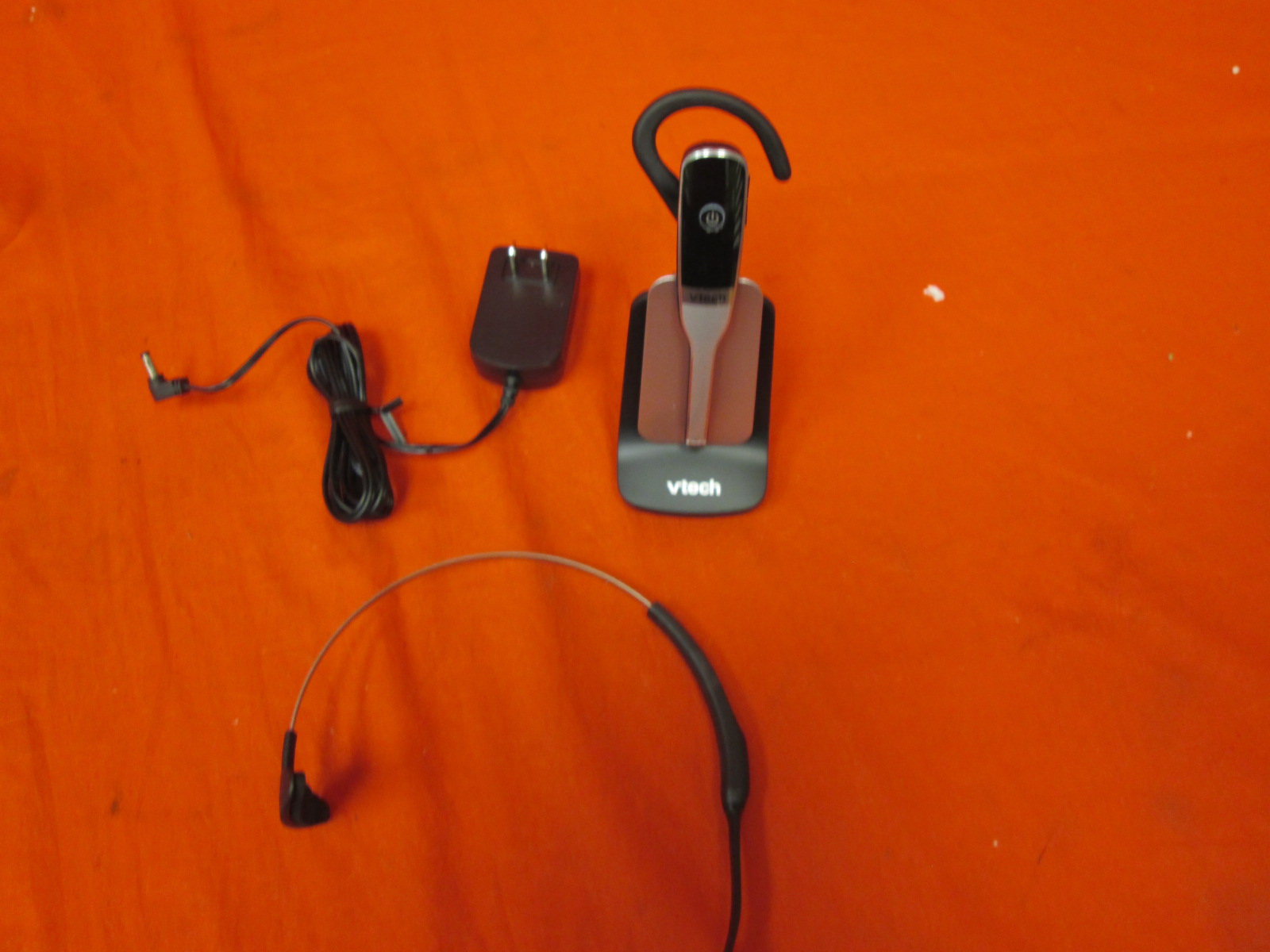 Vtech IS6100 DECT 6.0 Cordless Headset Silver/black 1 Accessory