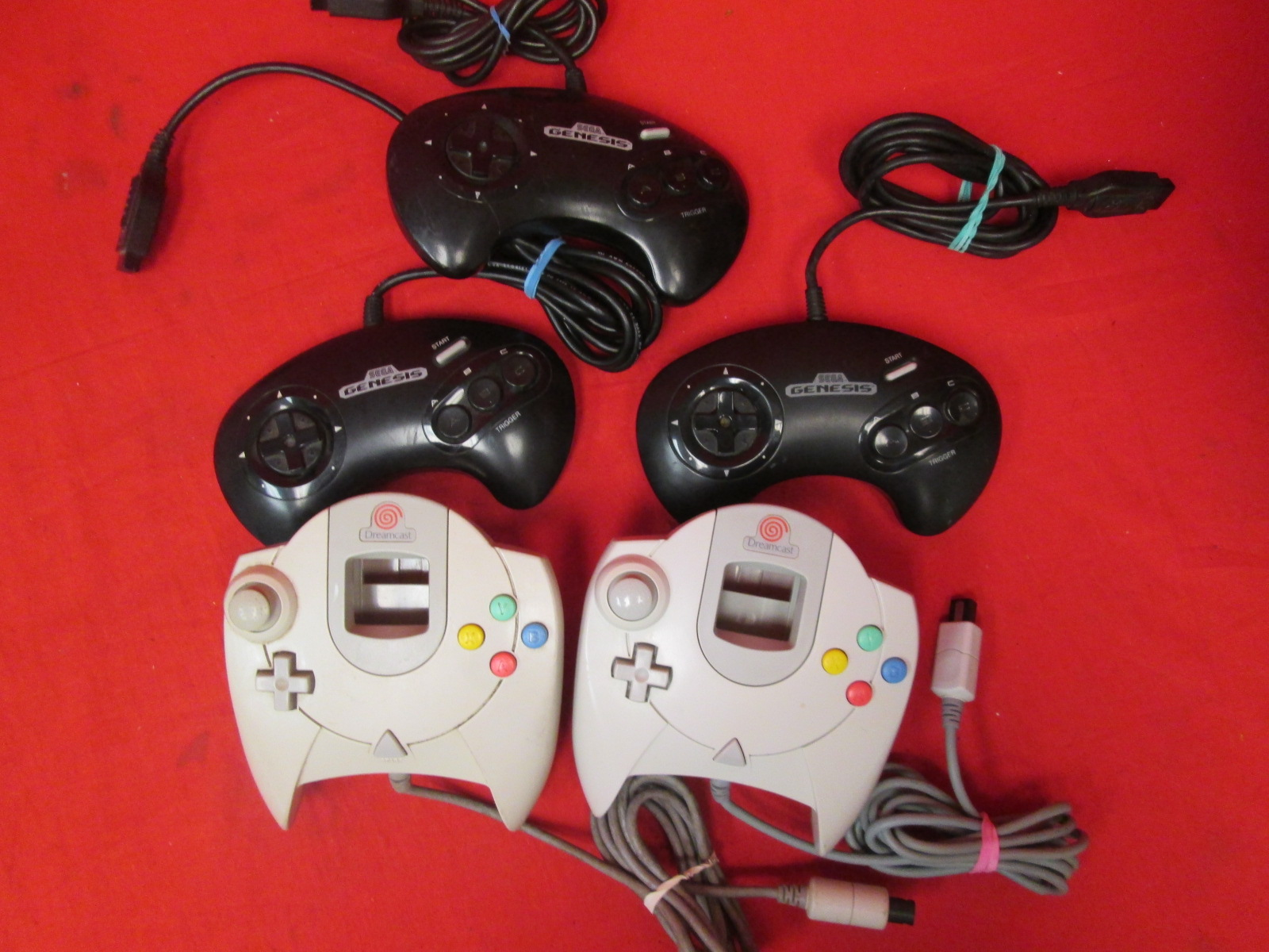 Lot Of 5 Sega Game Controllers For Genesis And Dreamcast