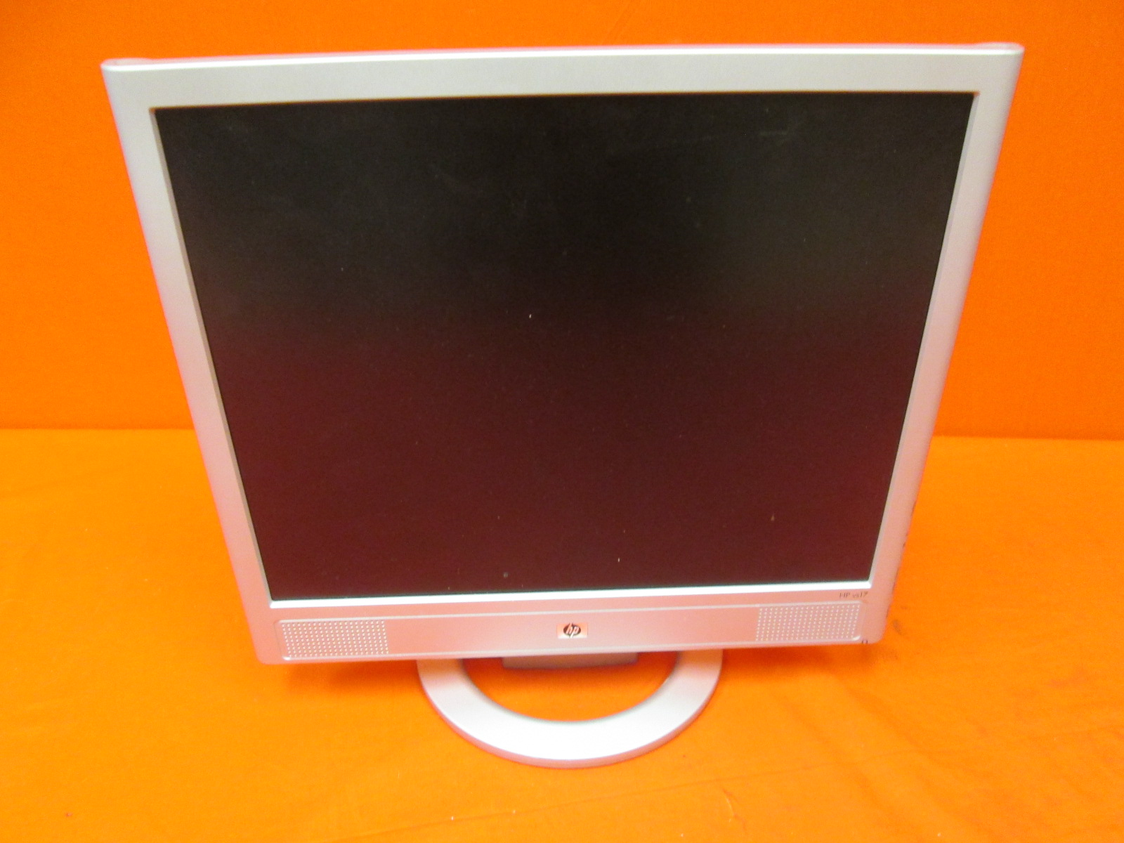 HP HSTND-2F01 17 Inch LCD Monitor